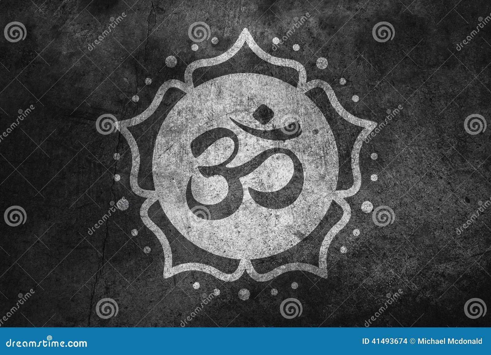 Символ Om на бетоне
