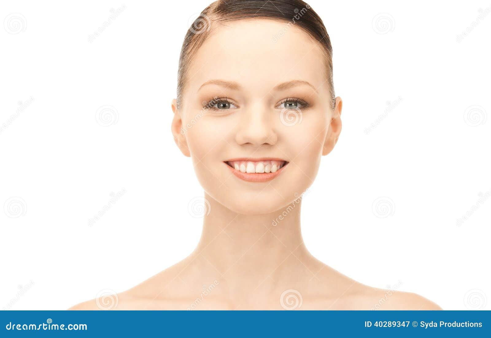 Симпатичная женщина