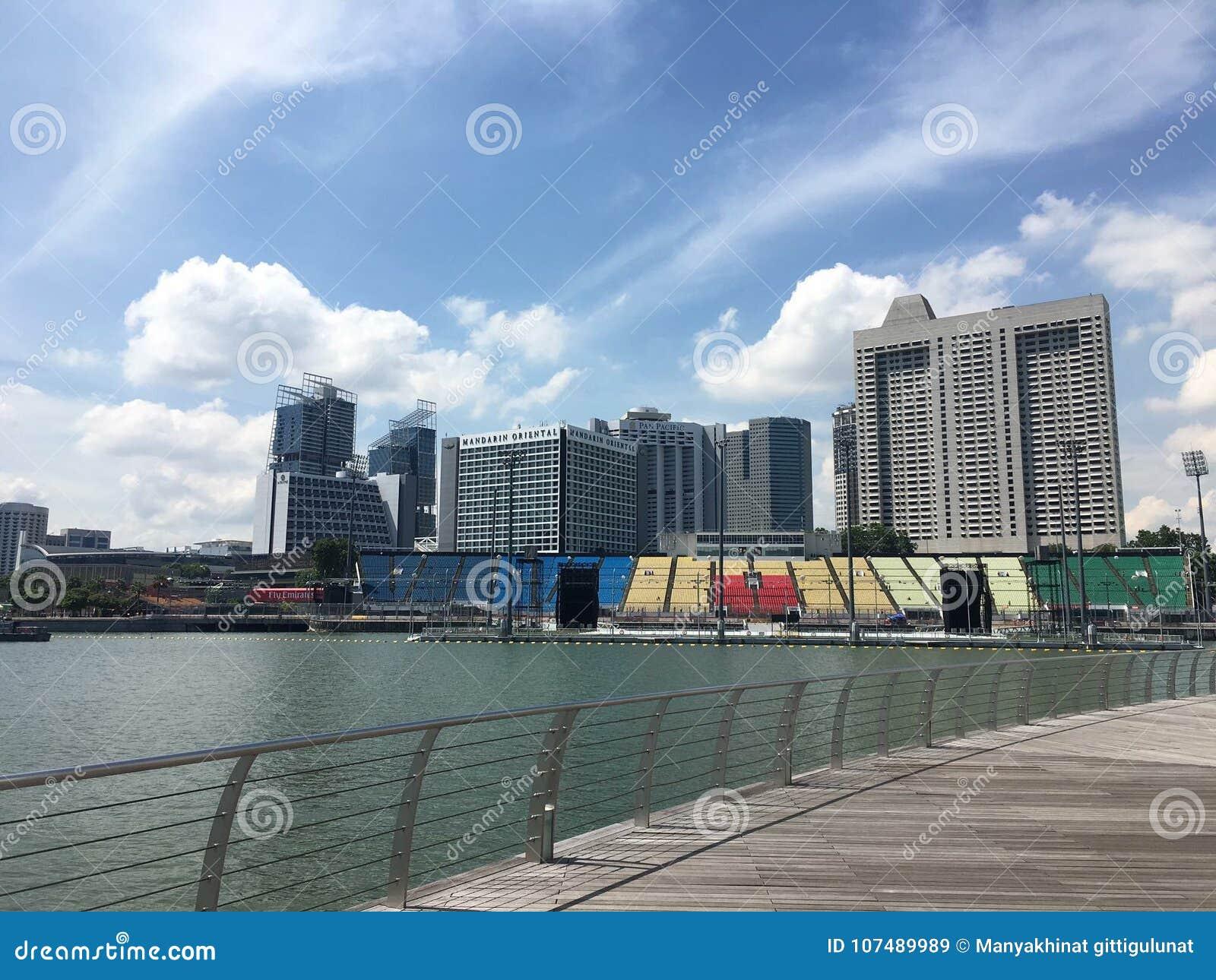 Сингапурец Сингапур LV marinabay
