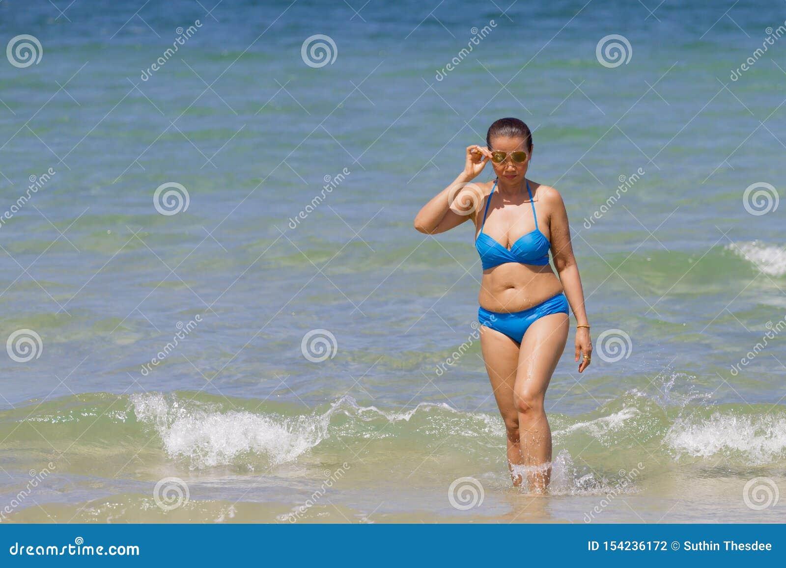 Финал бикини-шоу Hooters International Swimsuit Pageant 2013 | 1155x1600