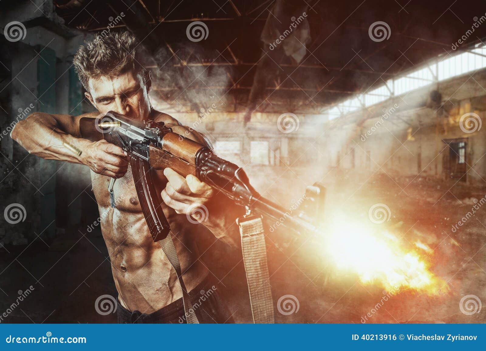 Силы специального назначения с оружием в сражении