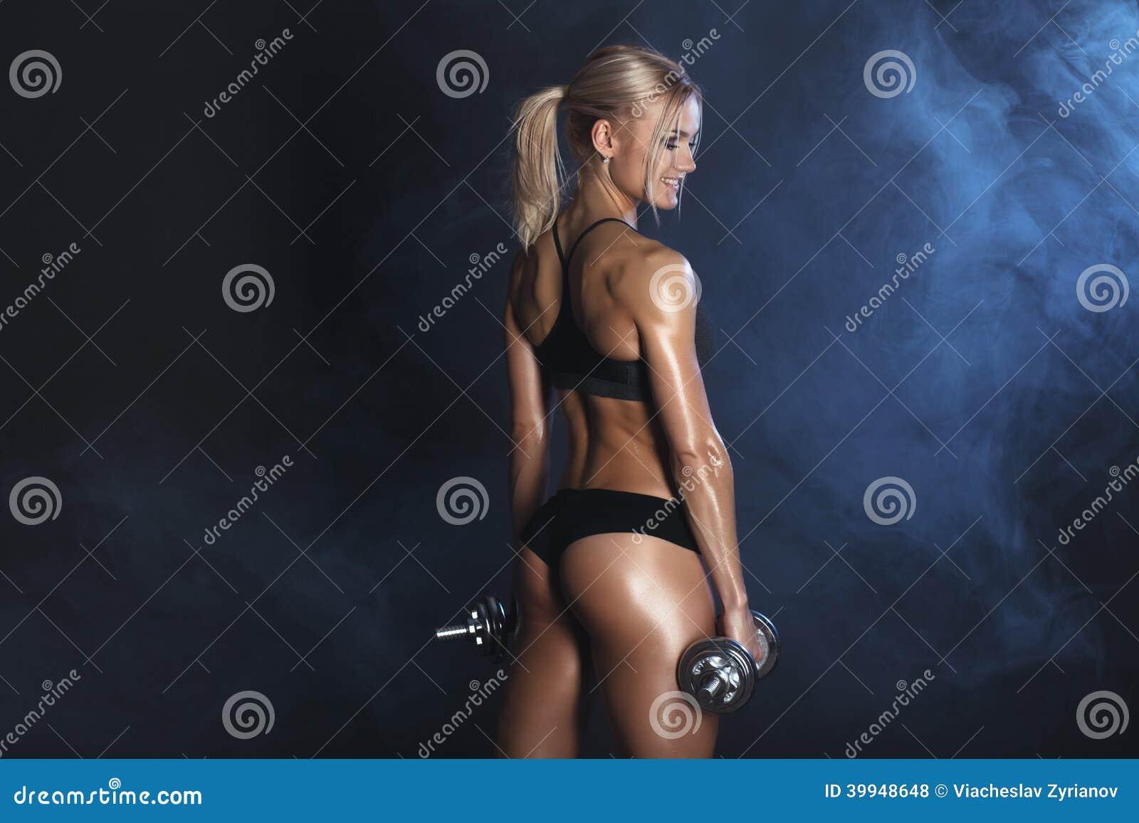 Сильная сексуальная женщина