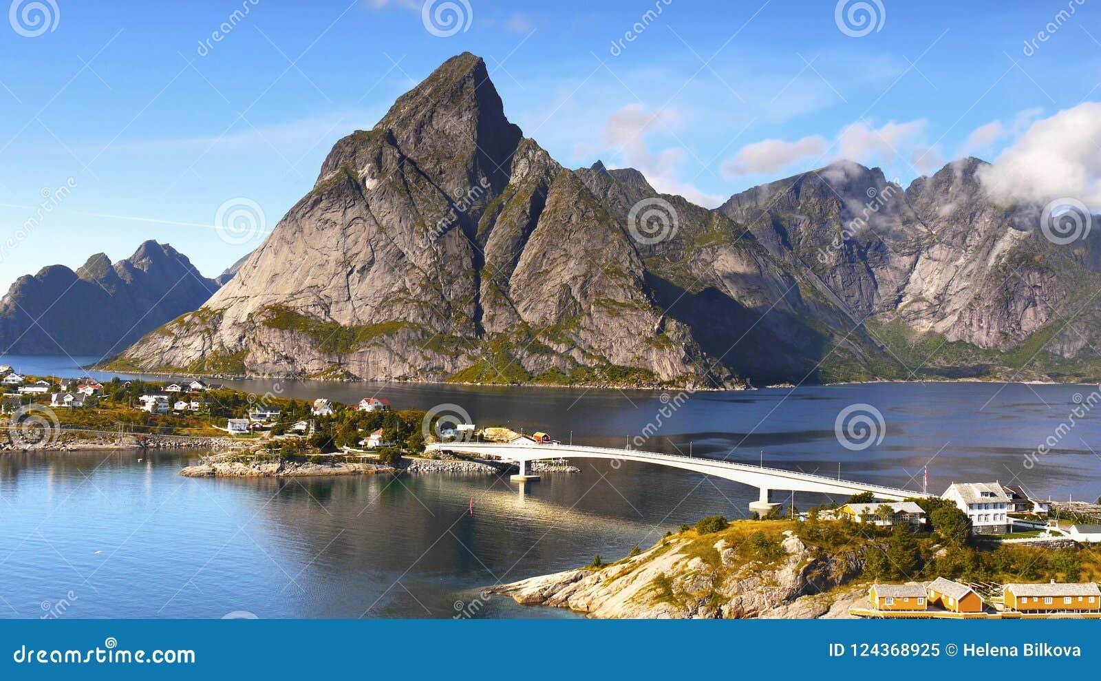 Скандинавия, Норвегия, нордический изрезанный ландшафт, острова Lofoten