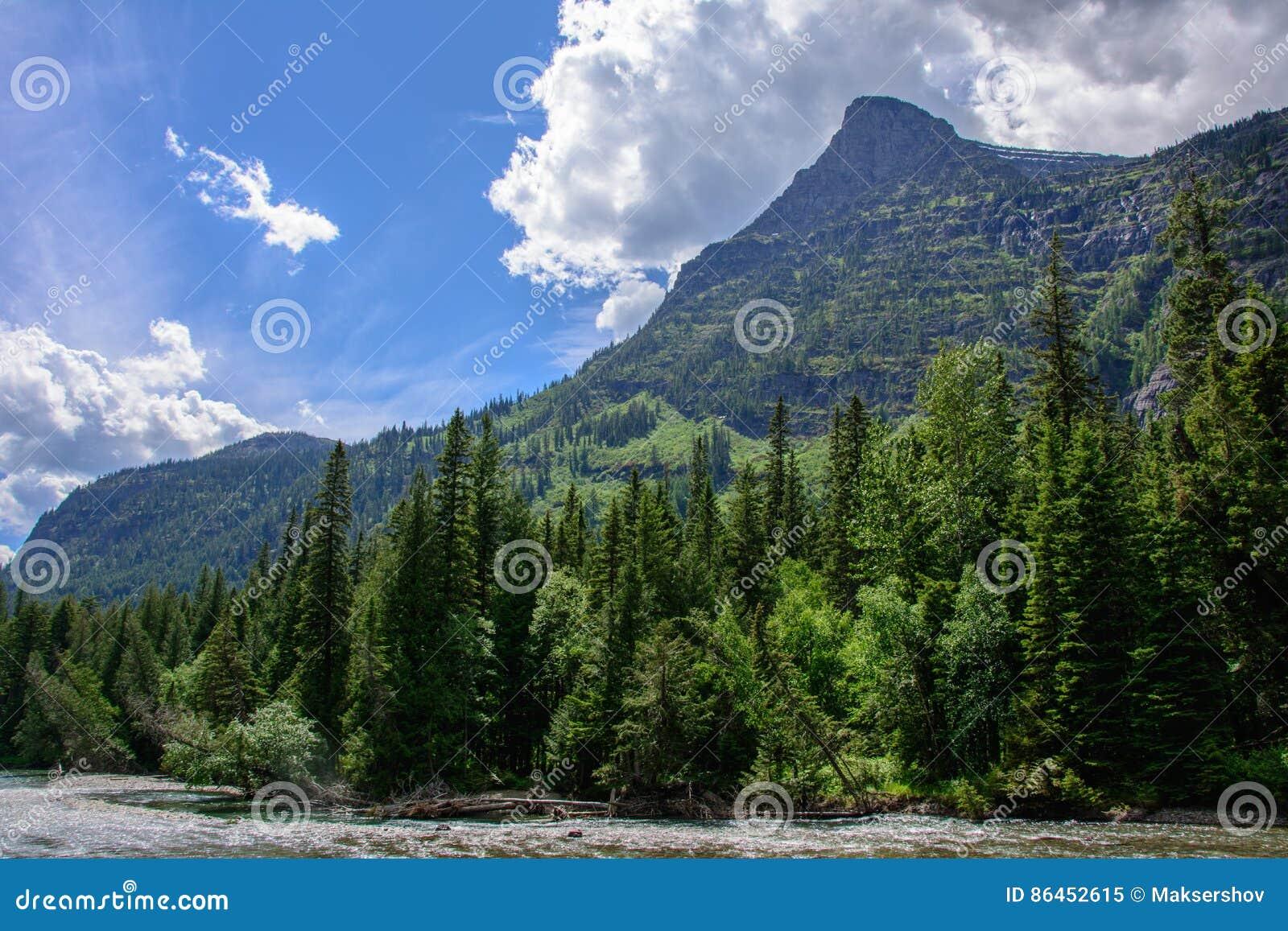 Скалистая гора в национальном парке ледника, Монтане США