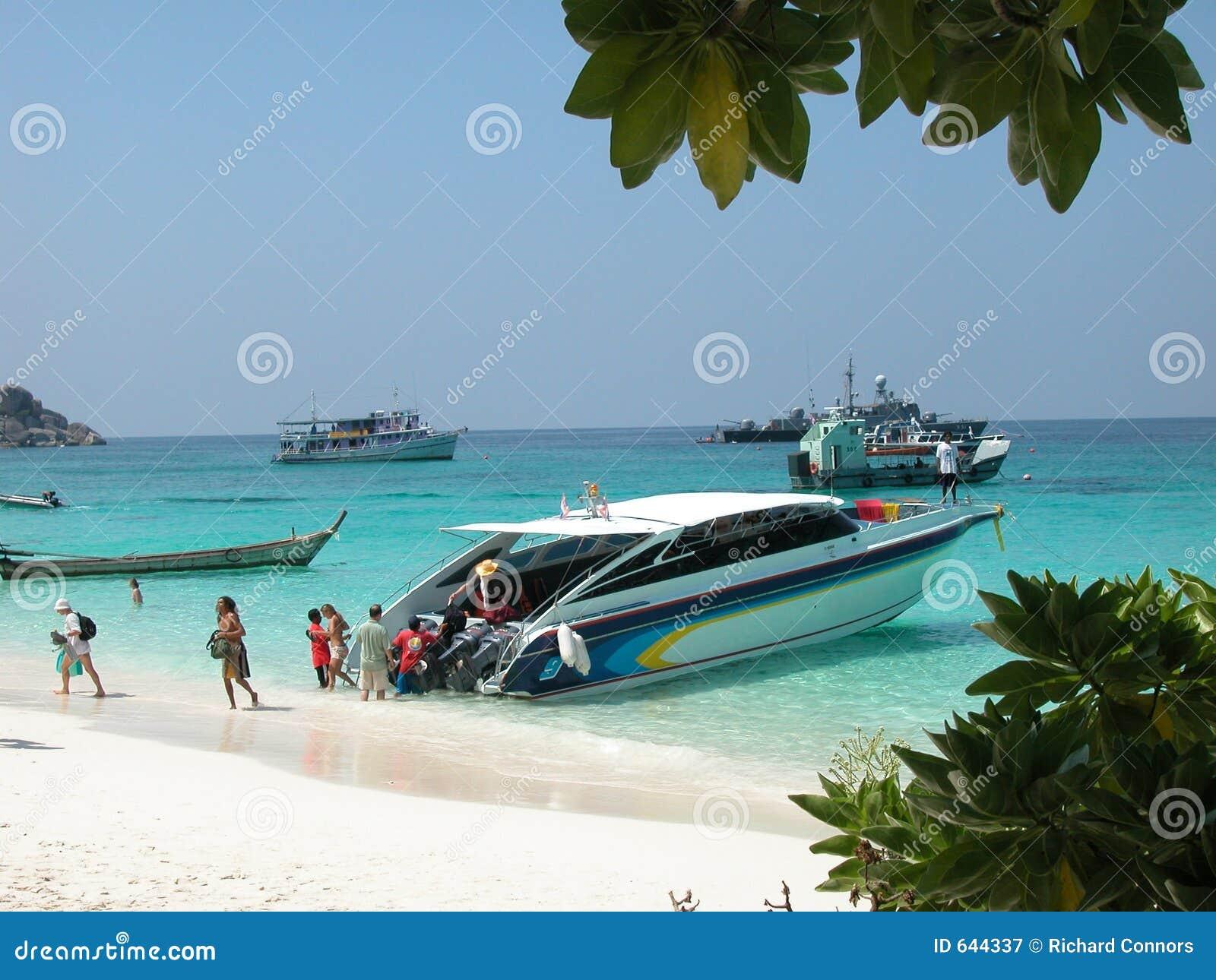 Download скорость высокого острова шлюпки Similan Стоковое Изображение - изображение насчитывающей anded, тропическо: 644337