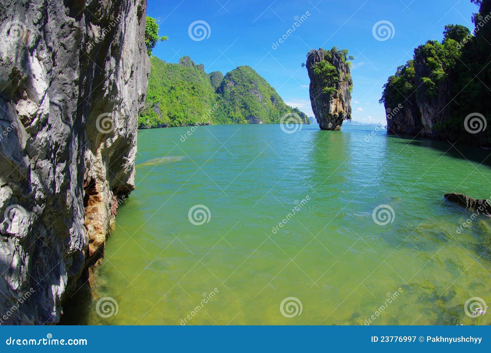 скрепленный остров james
