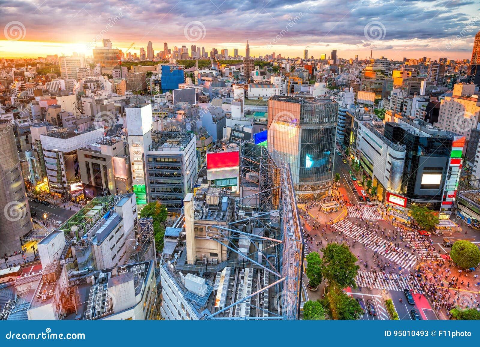 Скрещивание Shibuya от взгляд сверху в токио