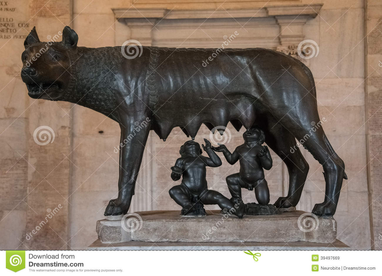 Скульптура мат-волка подавая Romulus и Remus, Рим, Ital