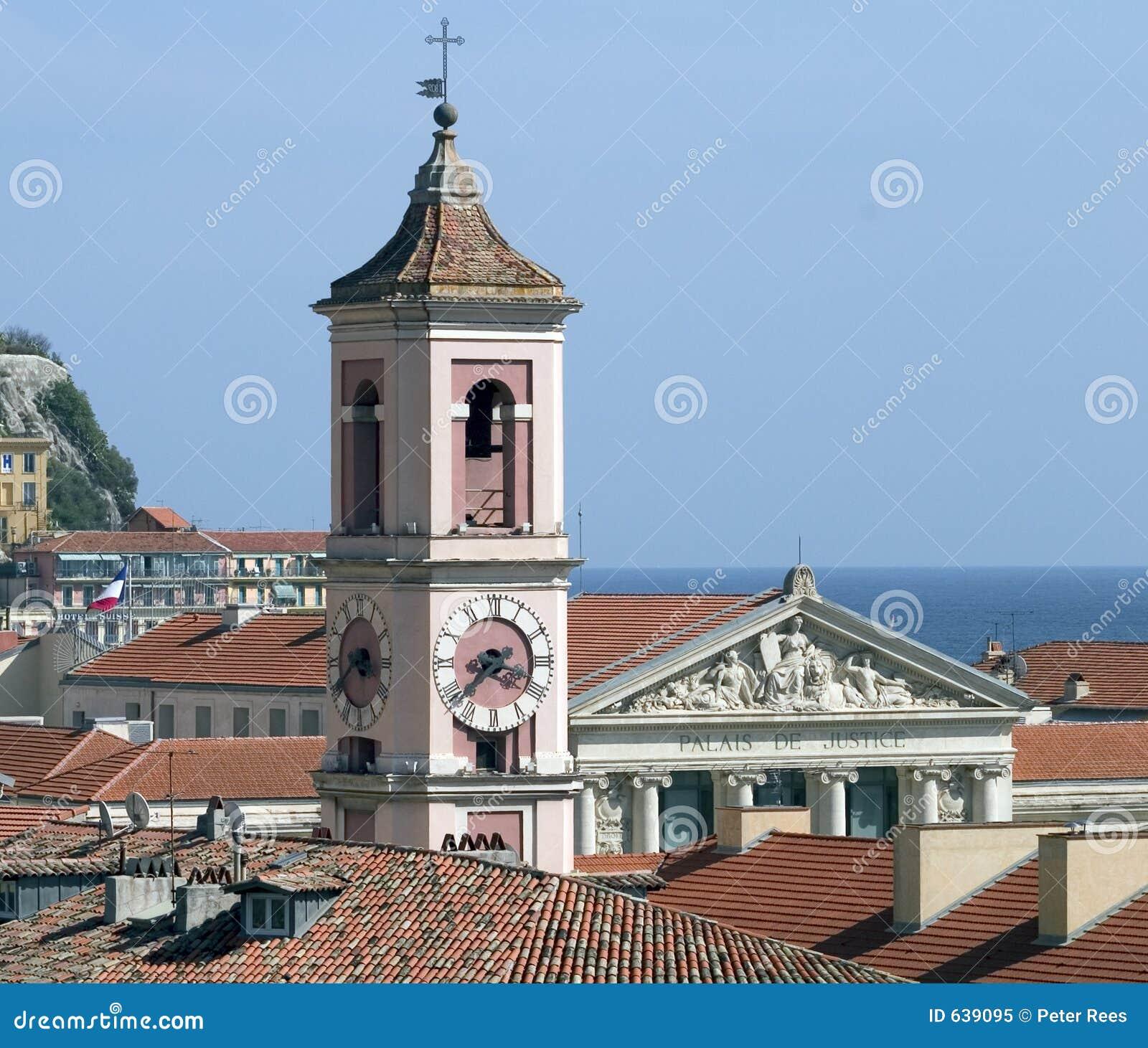 Download славные старые крыши стоковое изображение. изображение насчитывающей колоколов - 639095