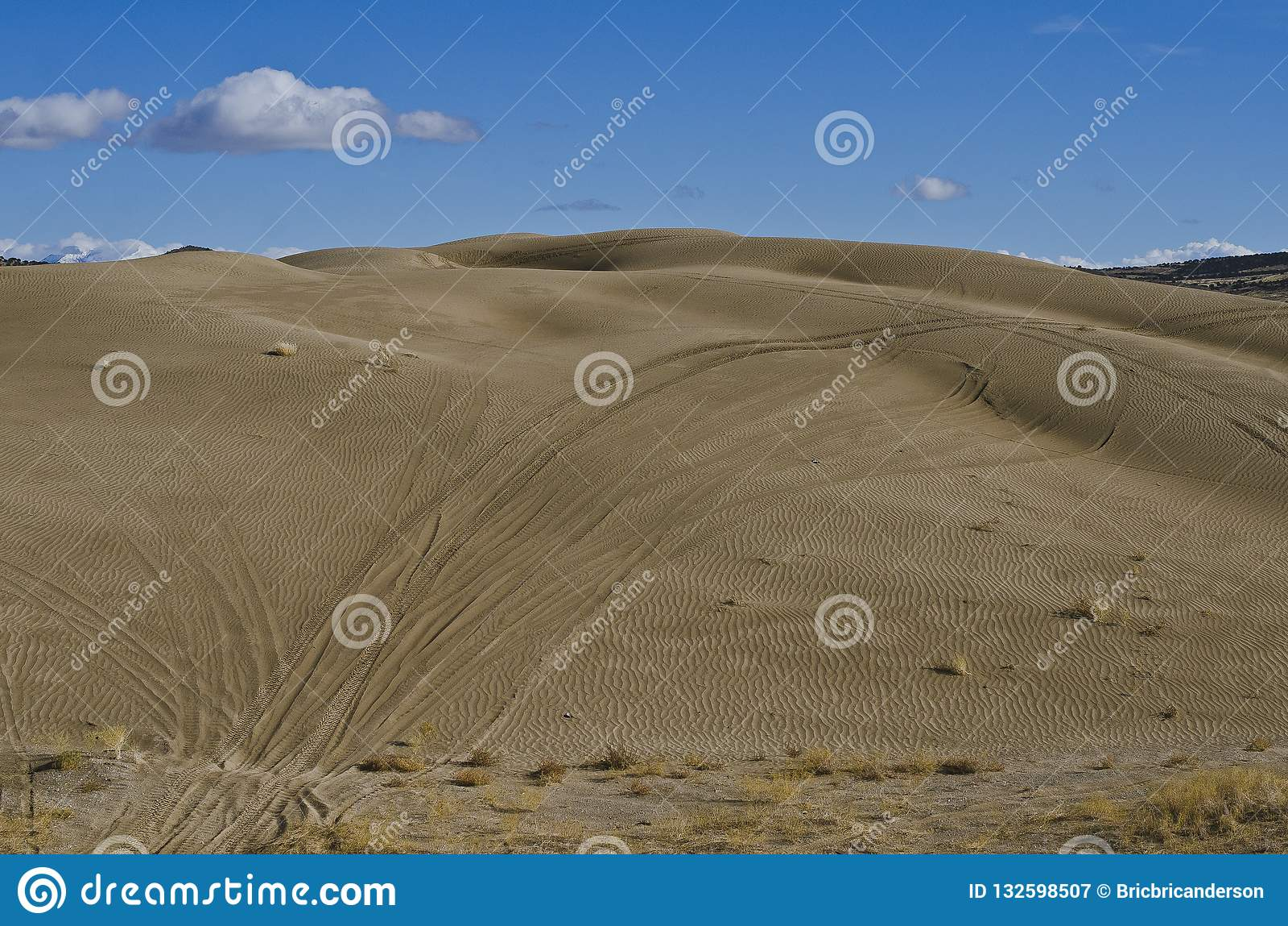Следы на песчанных дюнах