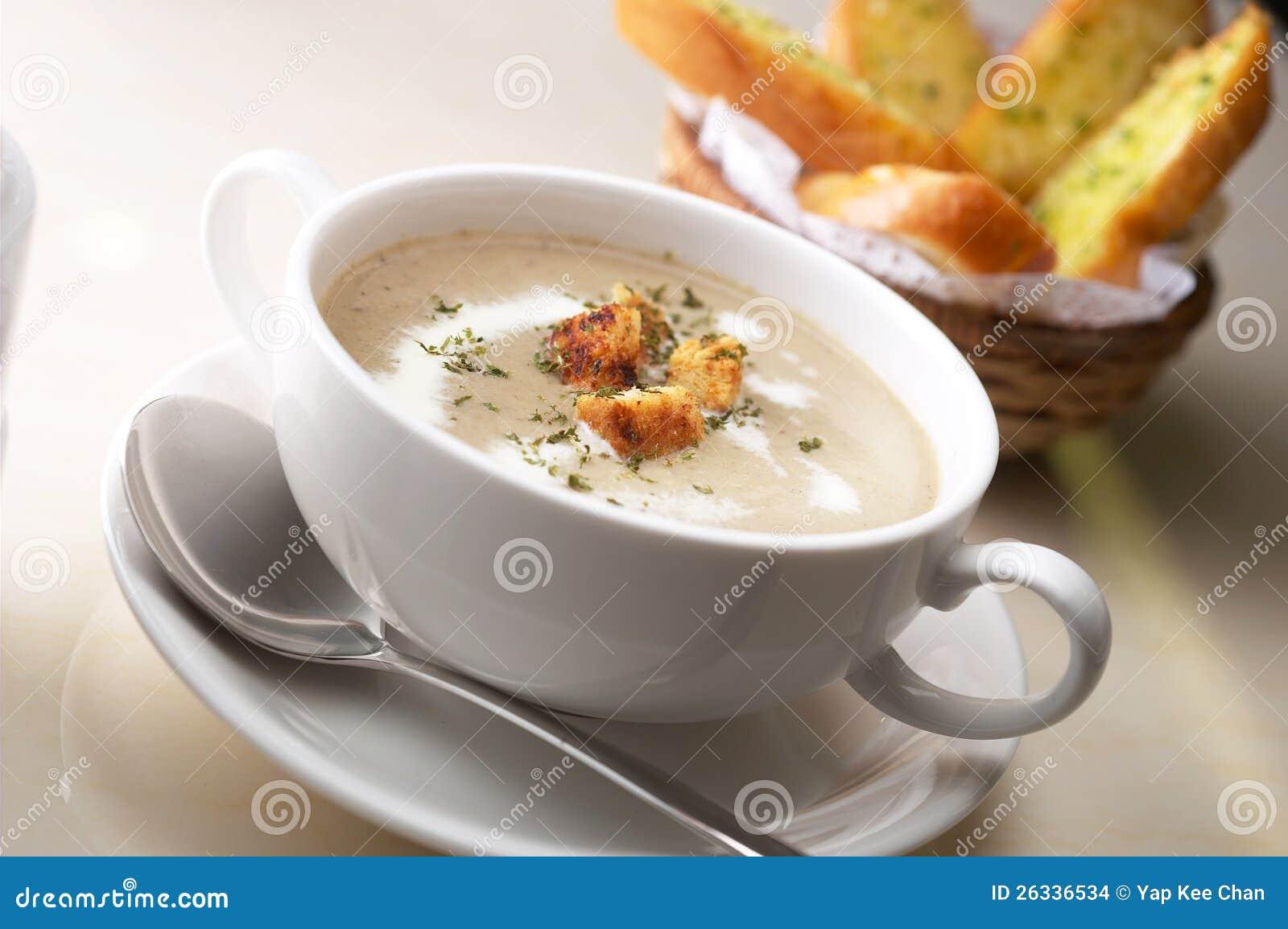 Сливк супа гриба