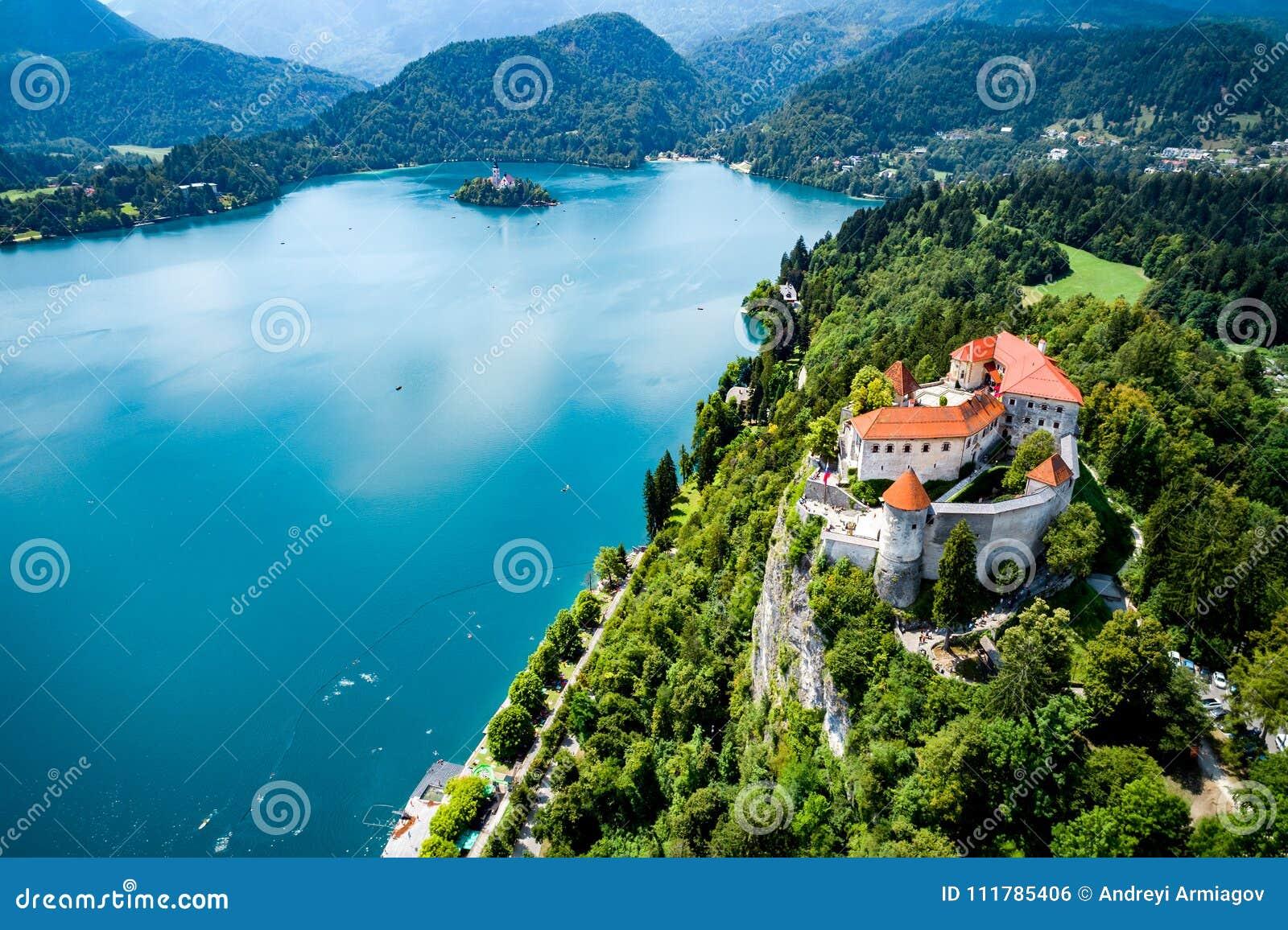 Словения - кровоточенное озеро курорта