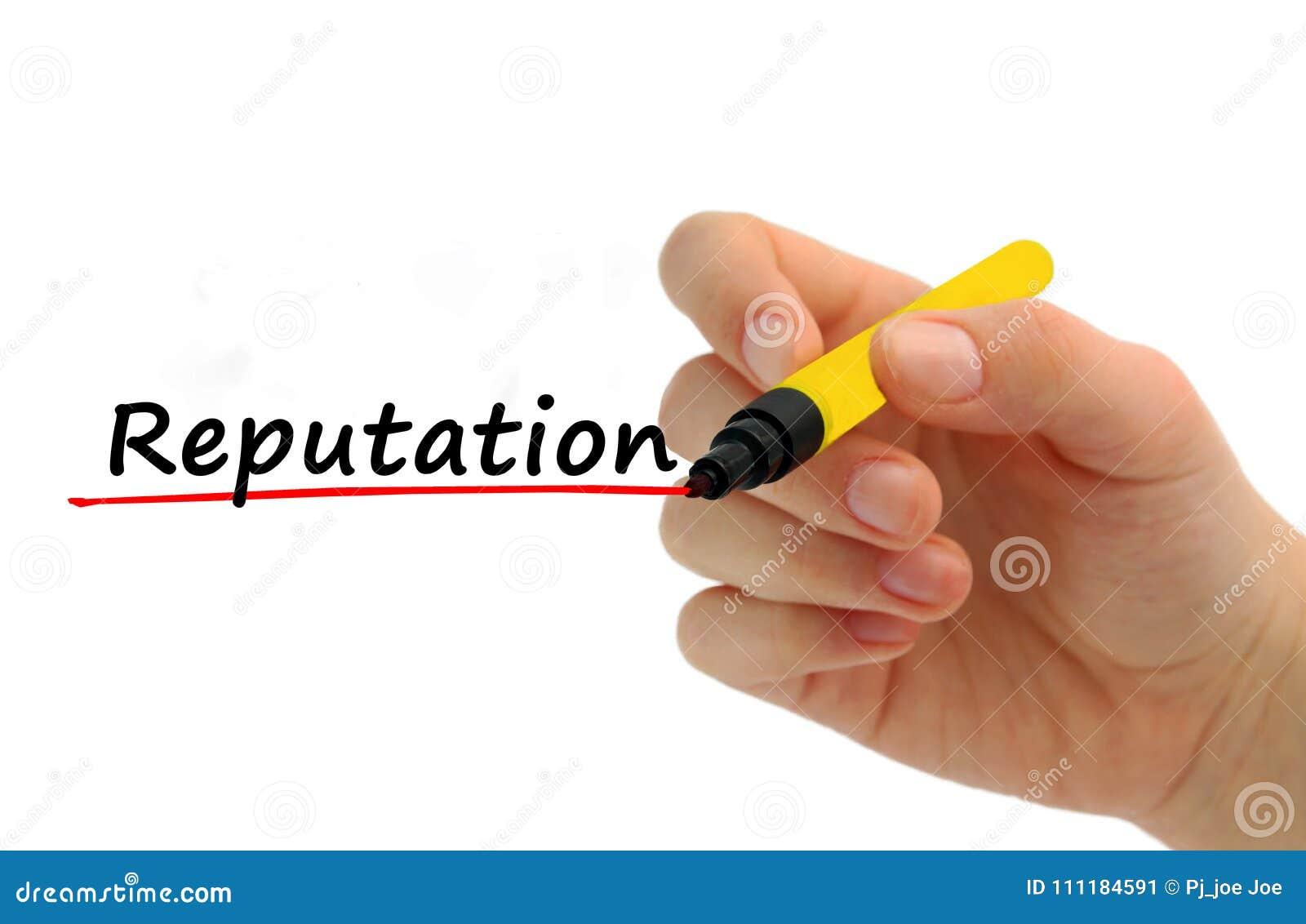 Слово репутации сочинительства руки на прозрачной доске