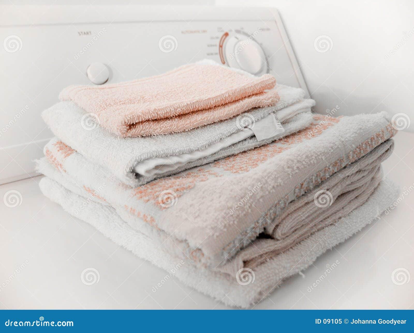 сложенные полотенца