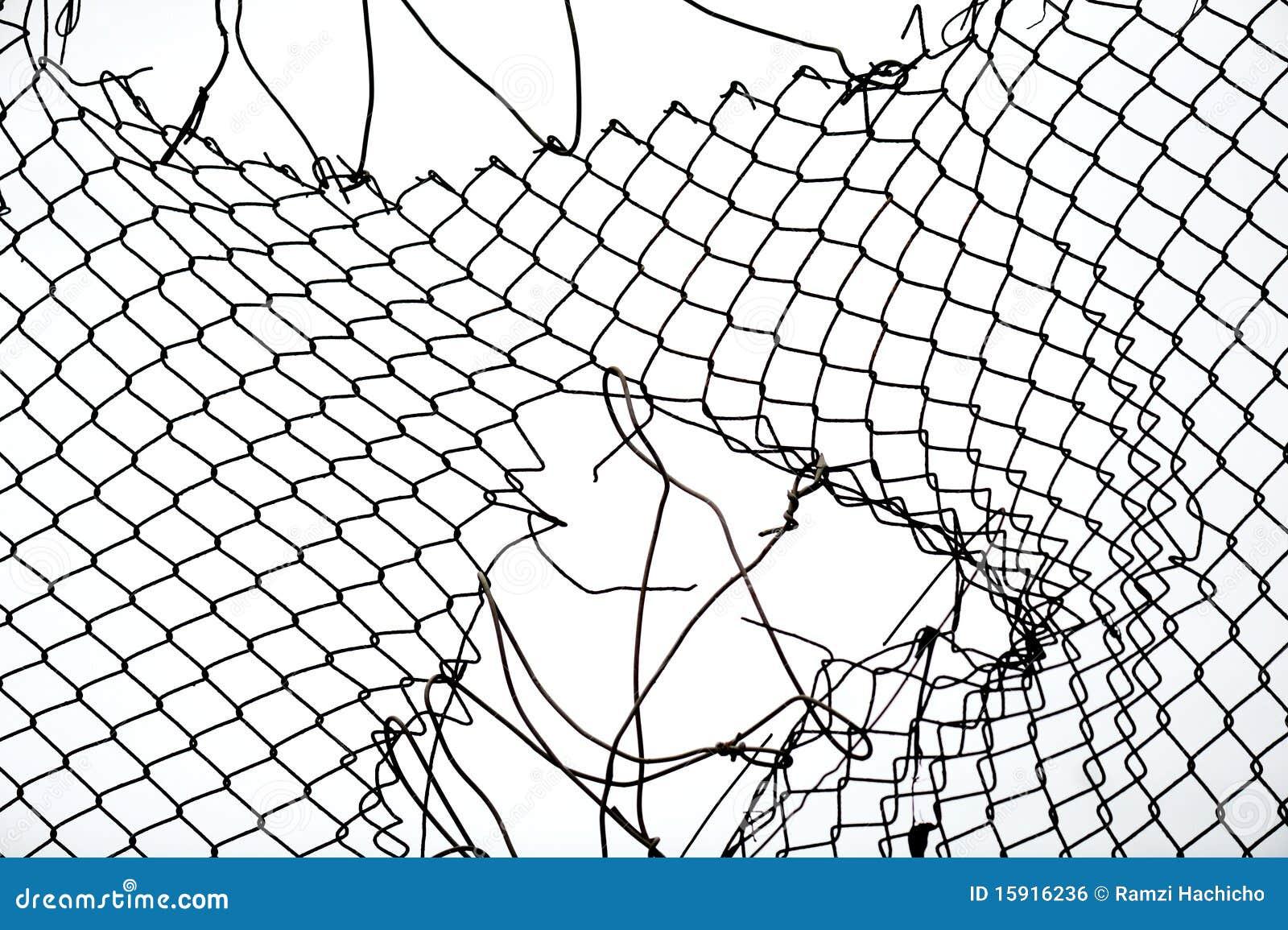 сломленная железная проволока загородки