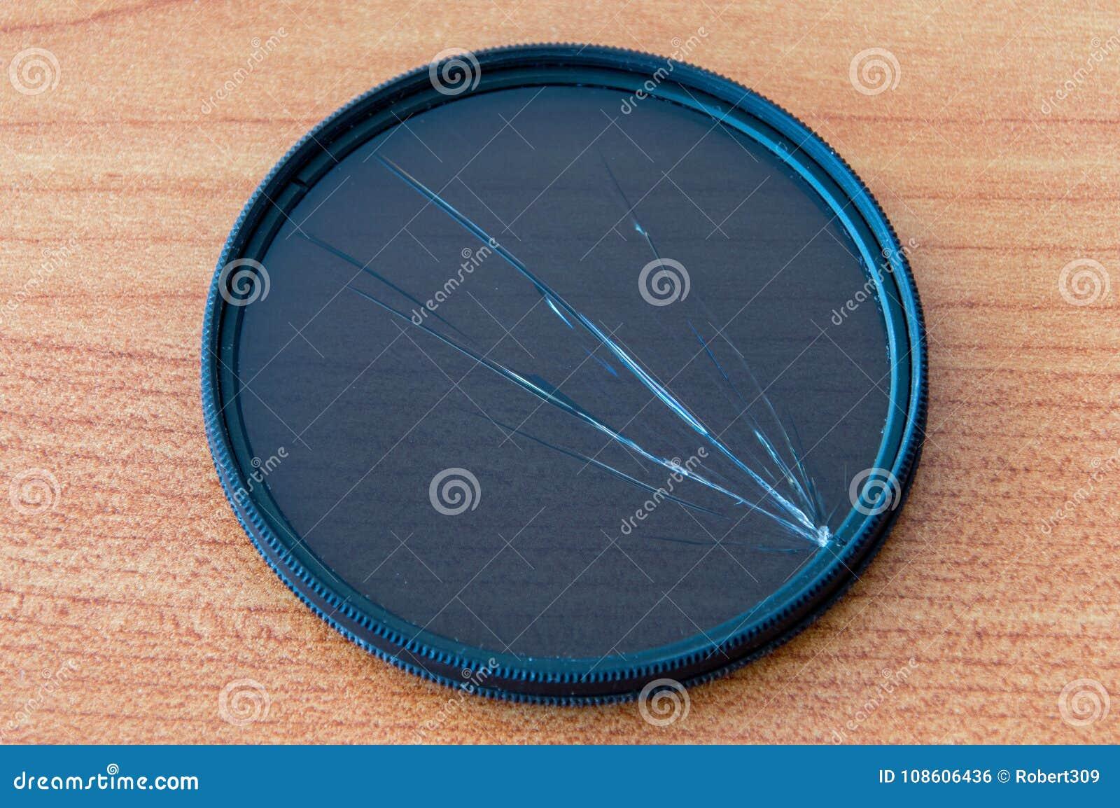 Сломленный круговой поляризовывая фильтр Поврежденный ПОЛНЫЙ фильтр
