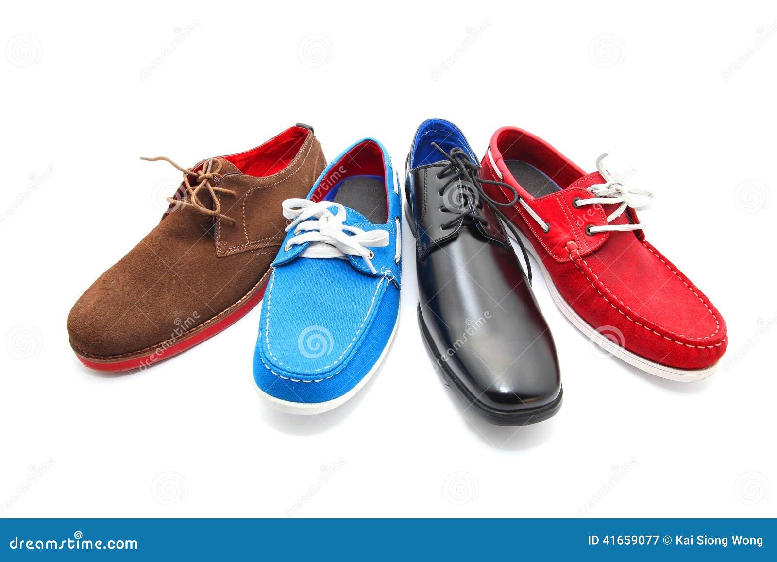 Смешанные ботинки человека цветов