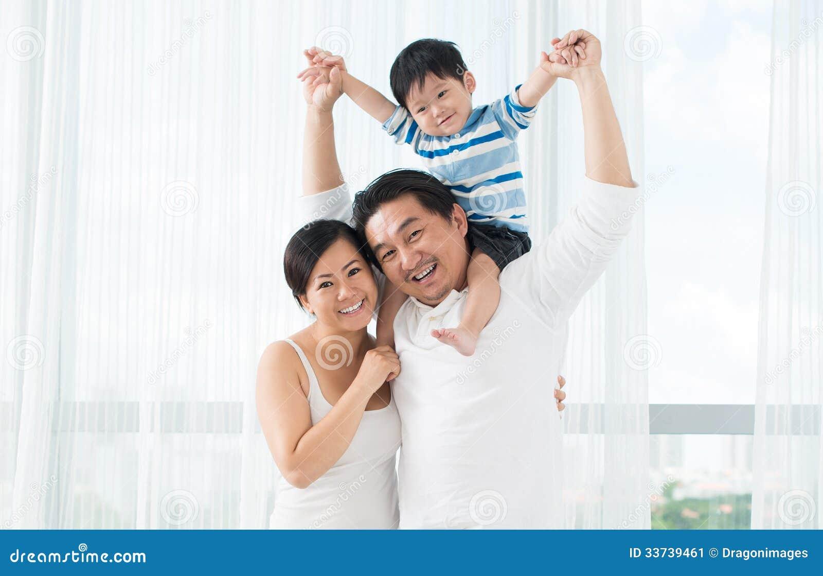 Смешная семья