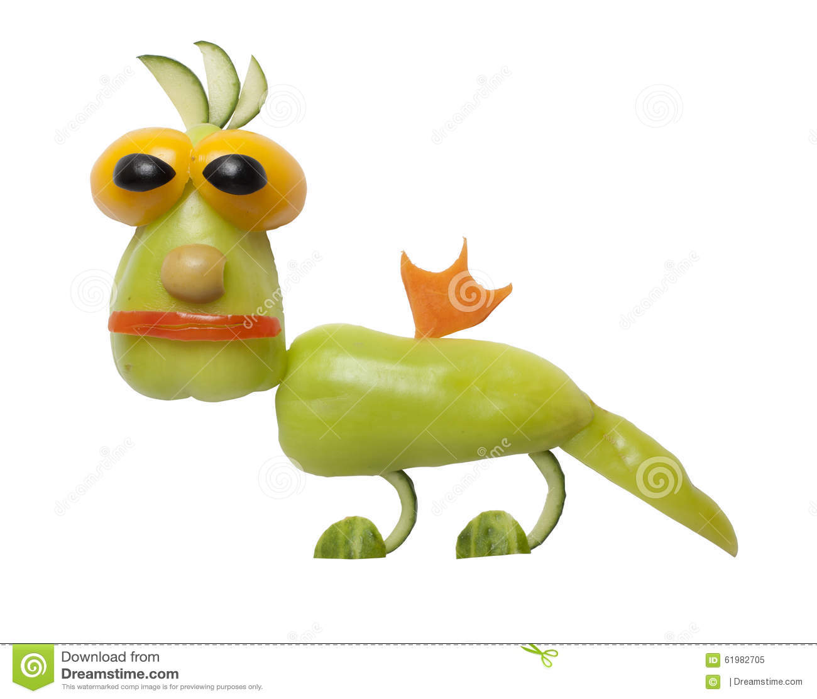 Смешной дракон сделанный овощей