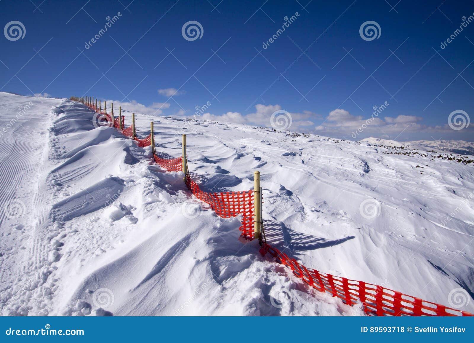 Смещения снега