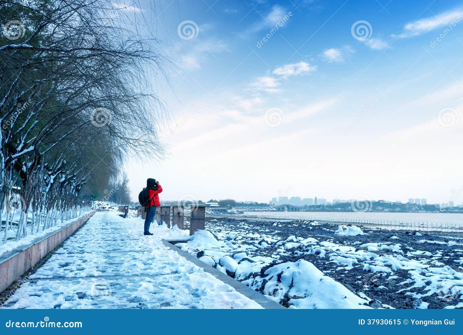Снег озера