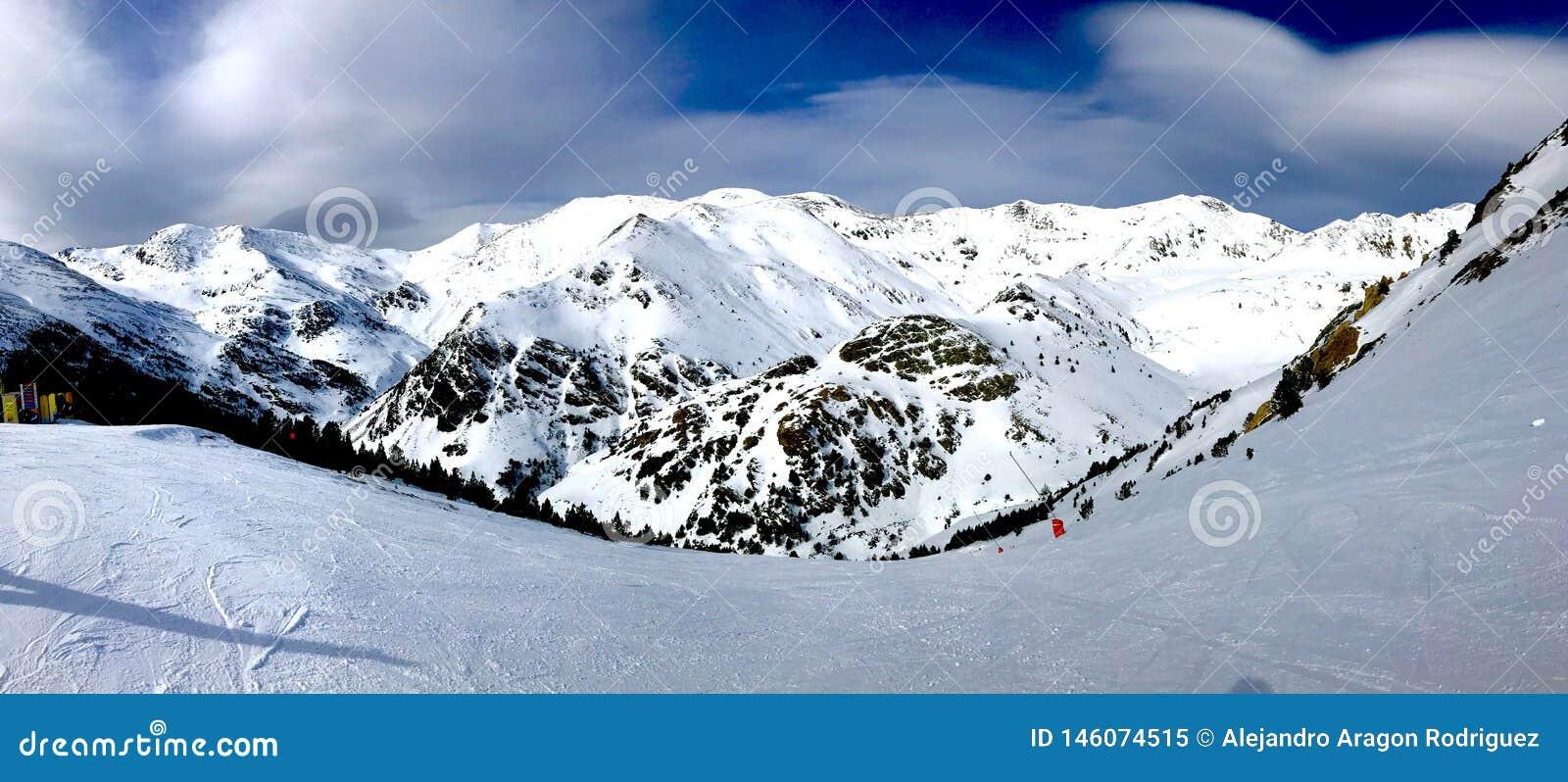 Снежности в Пиренеи