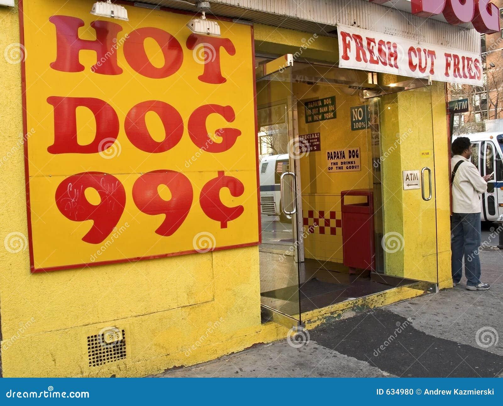 Download собака горячая стоковое фото. изображение насчитывающей магазин - 634980