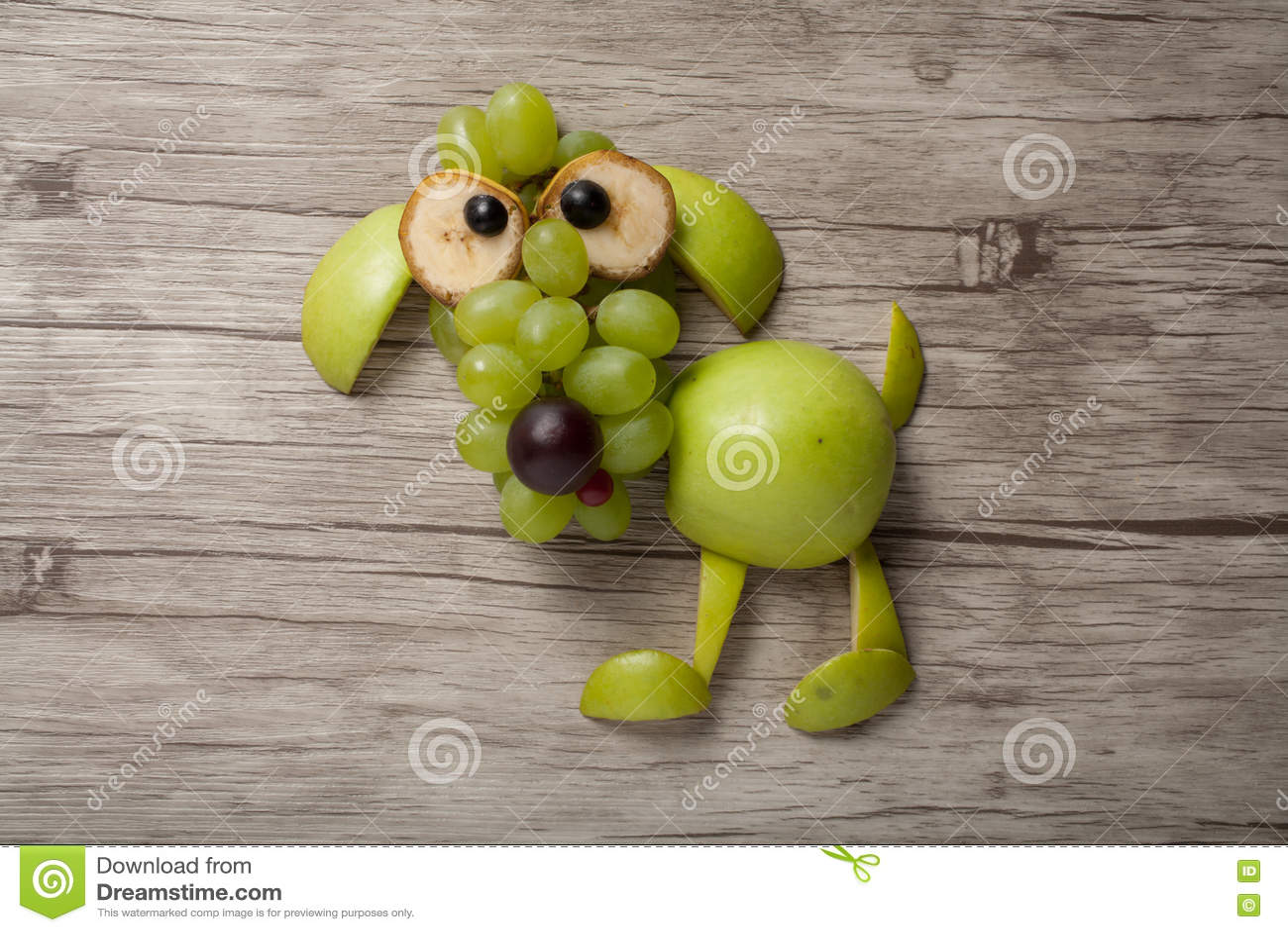 Download Собака сделанная яблока, виноградины и банана Стоковое Изображение - изображение насчитывающей органическо, сделано: 72281909