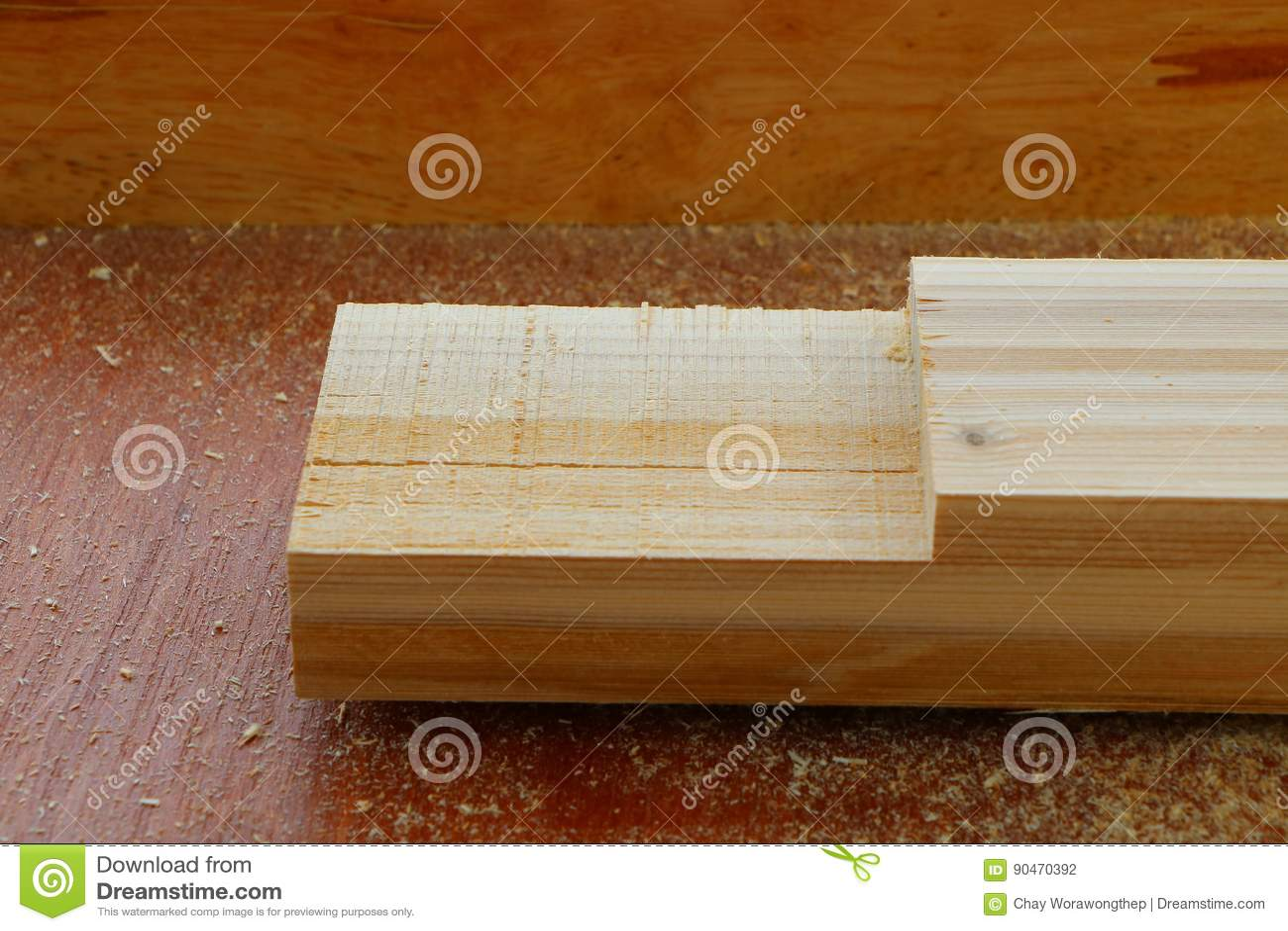 Собирая мебель, соединение шпунтины