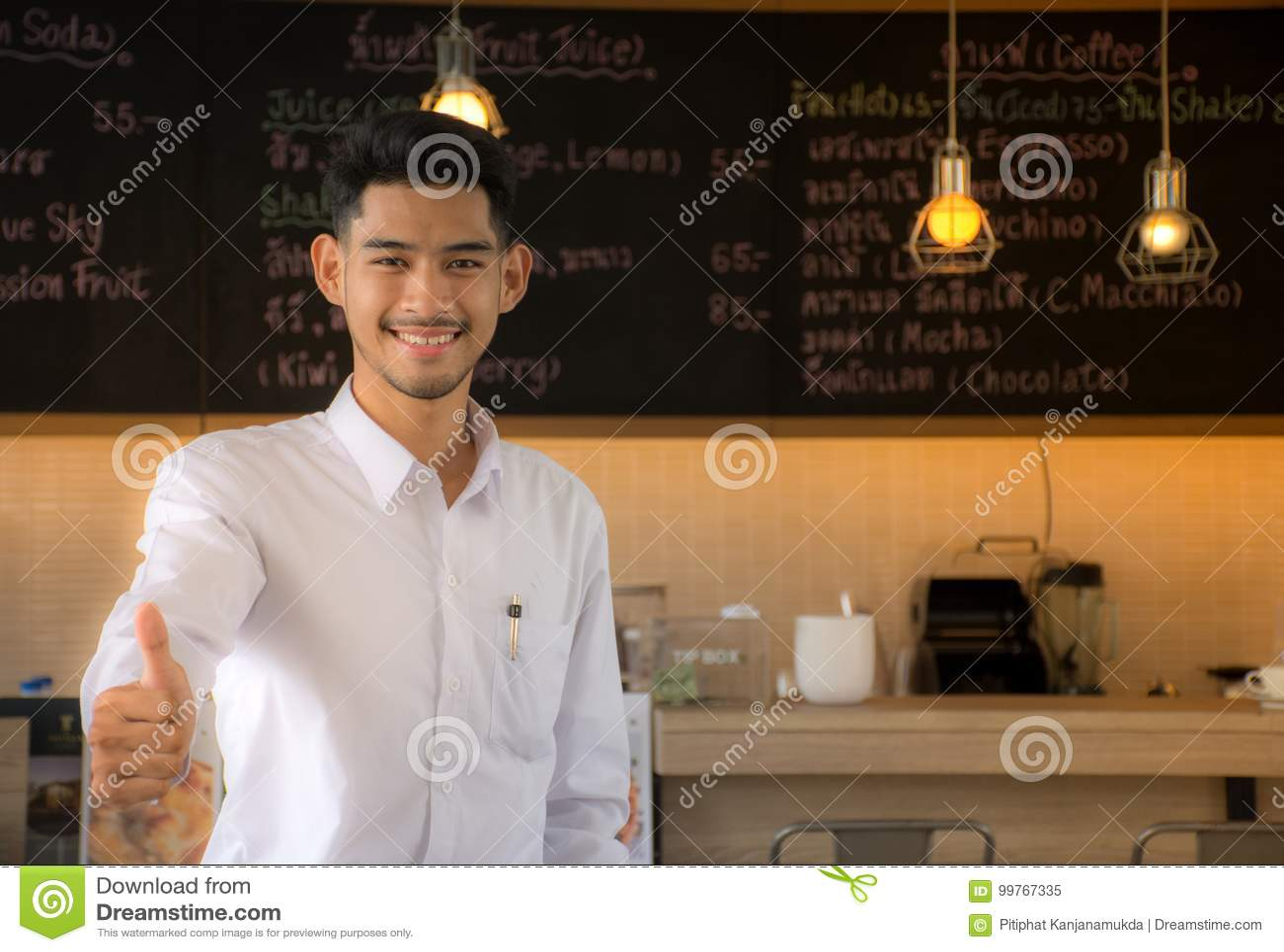 Совершают новое поколение к ресторанному бизнесу Владельцы бизнеса