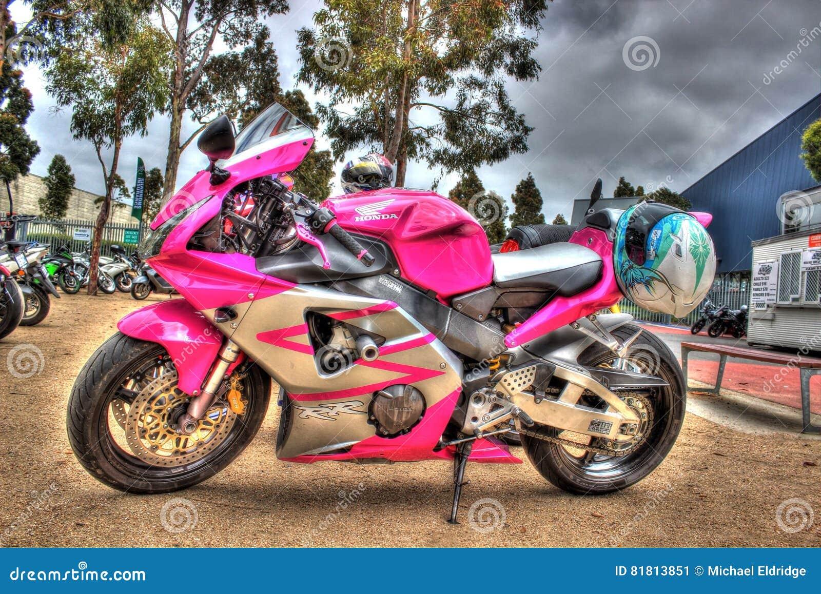 Современный мотоцикл Honda японца