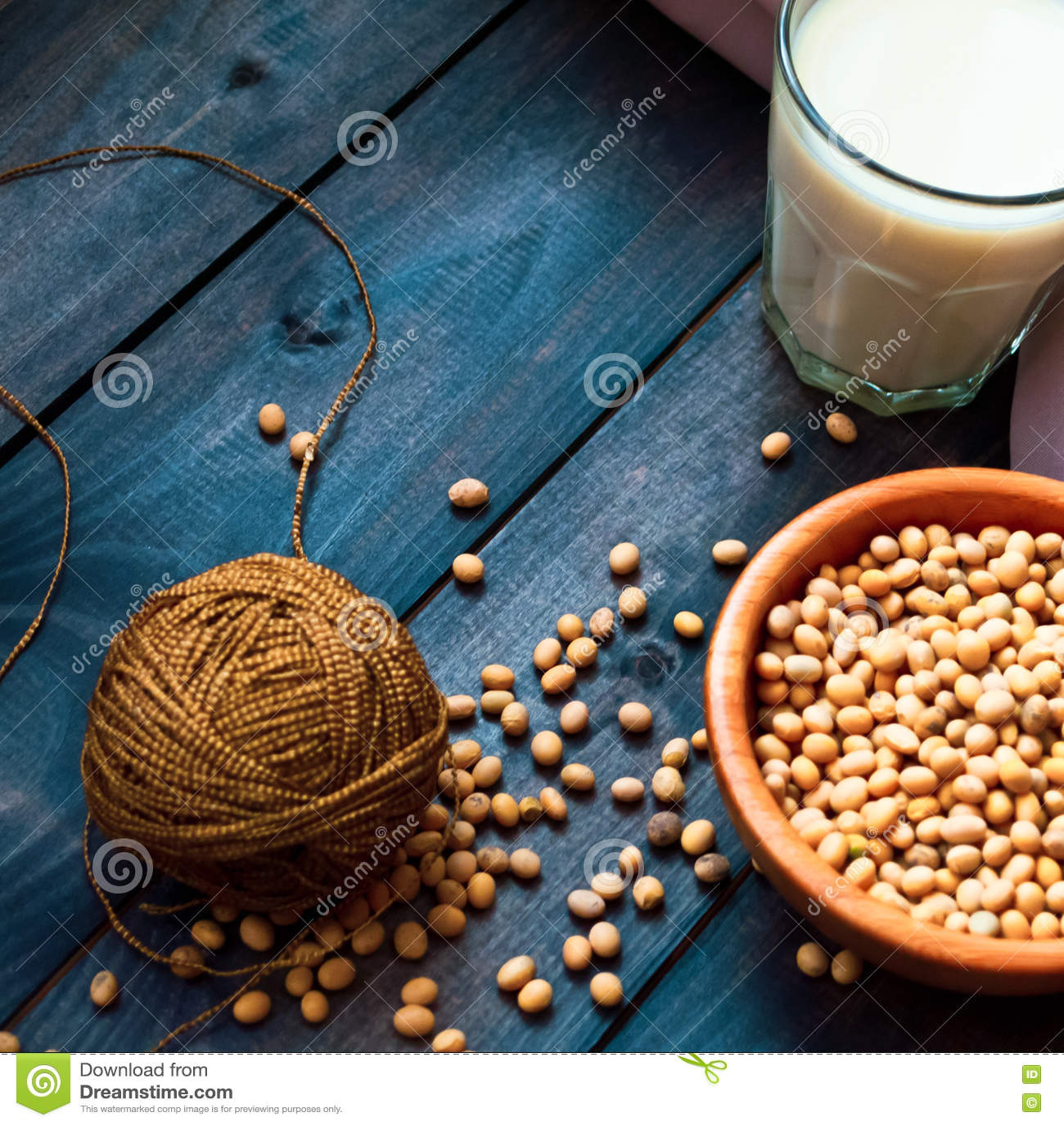 Download Соевое молоко и фасоли стоковое изображение. изображение насчитывающей кухня - 72298941