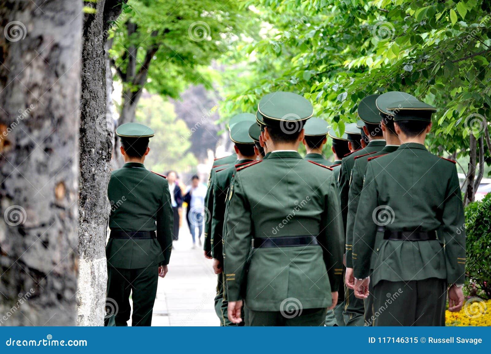 Солдаты в Qingdao, Китае
