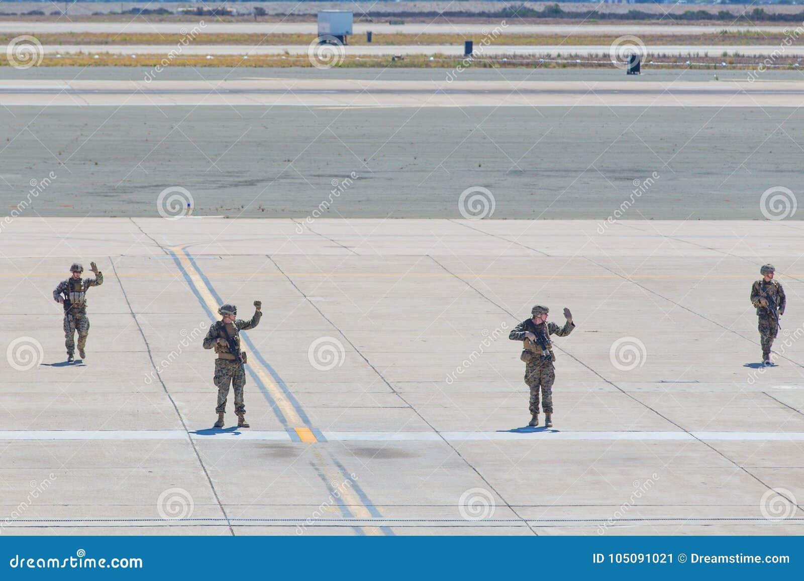 Солдаты морской пехот США
