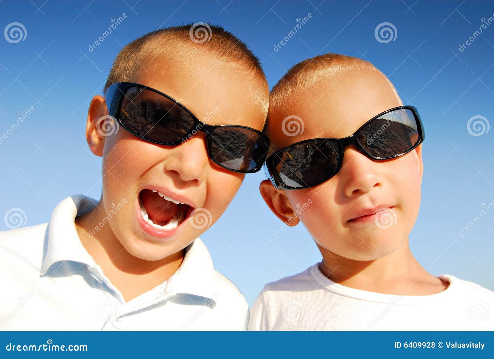 солнечные очки мальчиков