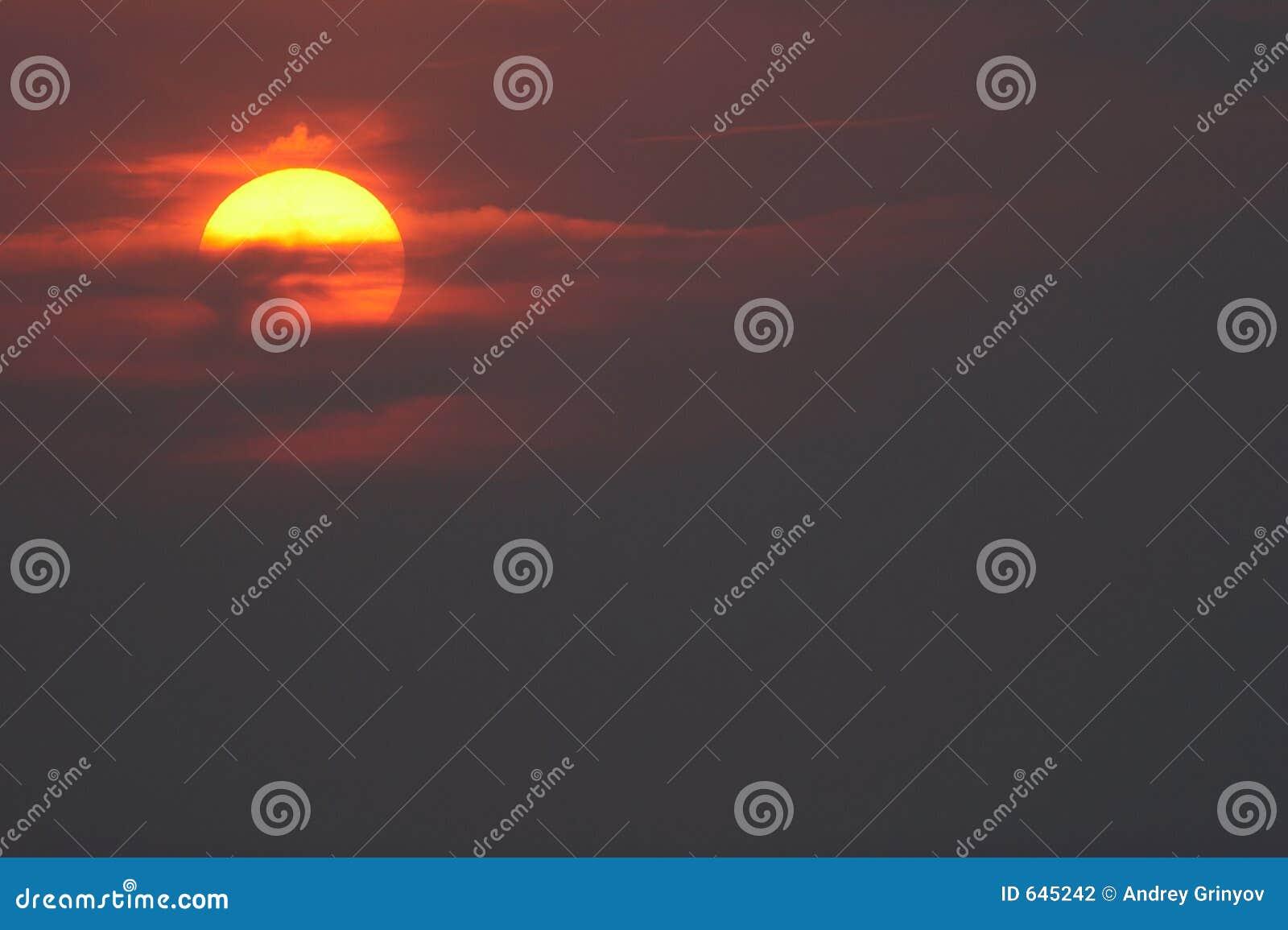 Download солнце неба стоковое фото. изображение насчитывающей романтично - 645242