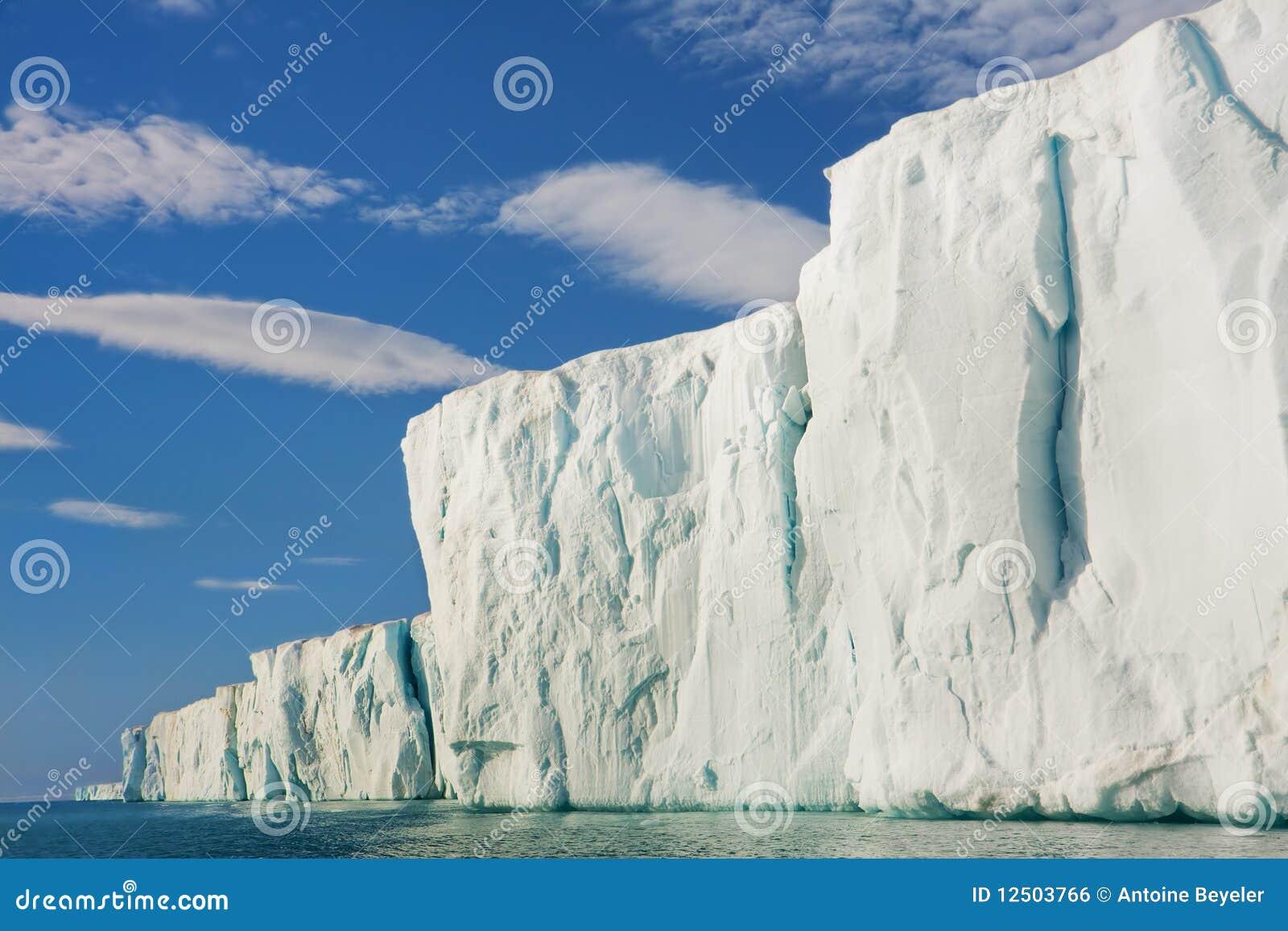 солнце cliffside ледниковое светя