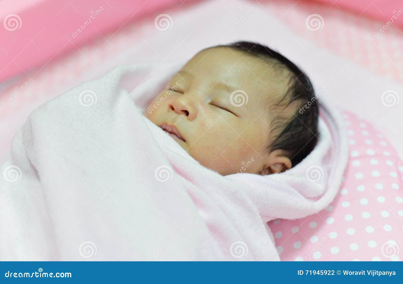 сон младенца newborn