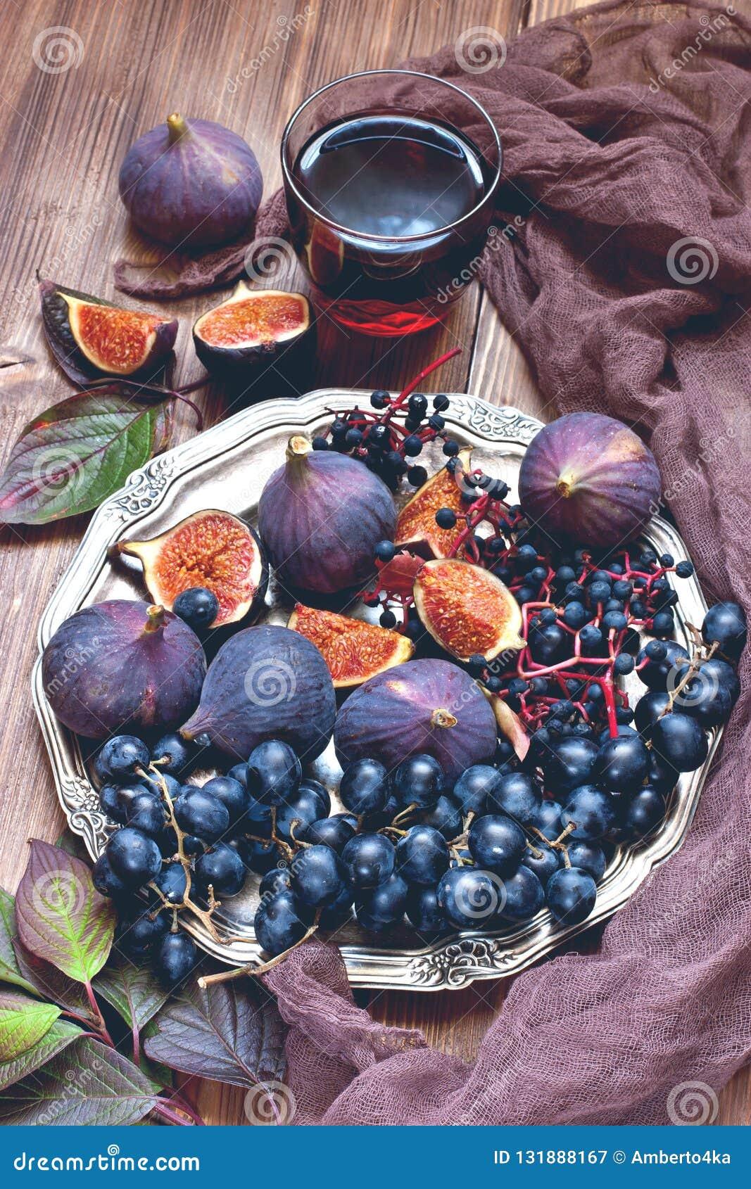Состав с вкусными плодоовощами