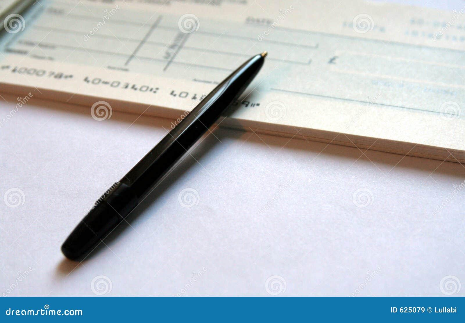 Download сочинительство 2 банковских счетов Стоковое Изображение - изображение насчитывающей фунты, компенсация: 625079