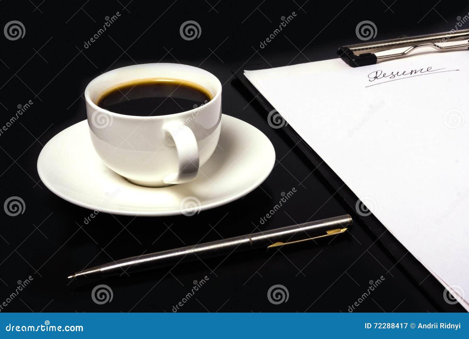Download Сочинительство резюма стоковое изображение. изображение насчитывающей занятие - 72288417