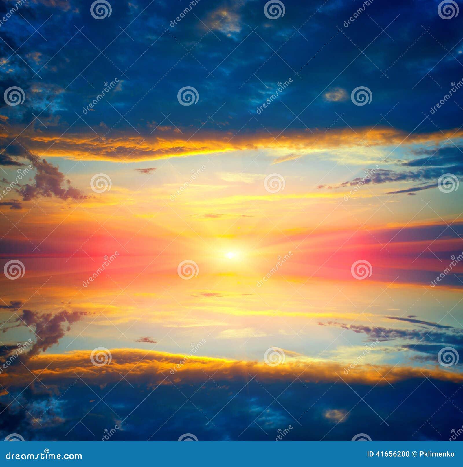 Солнечность над поверхностью воды