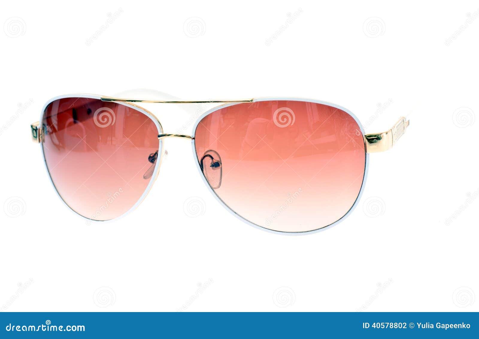 солнечные очки изолированные предпосылкой белые