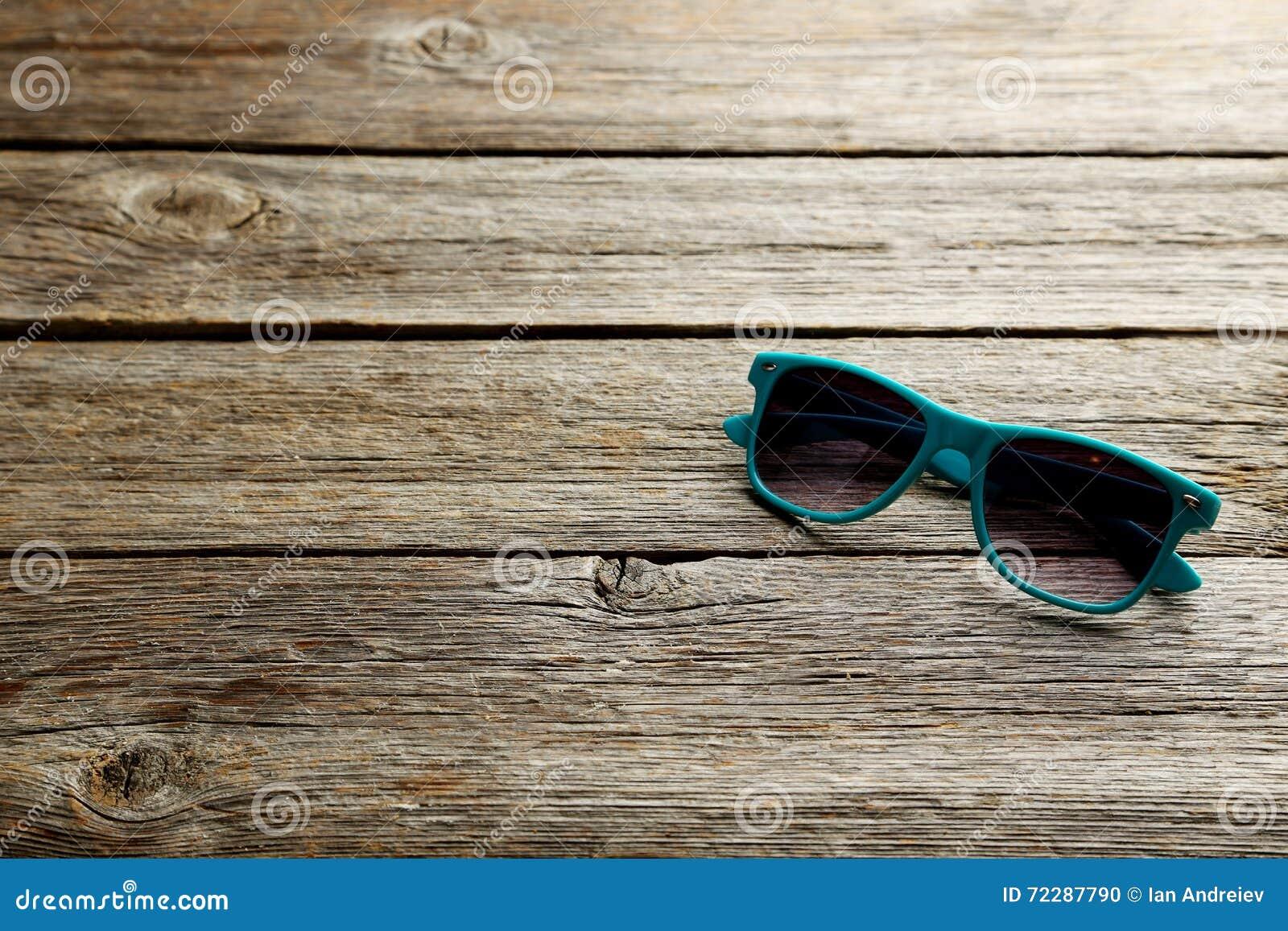 Download Солнцезащитные очки стоковое фото. изображение насчитывающей серо - 72287790