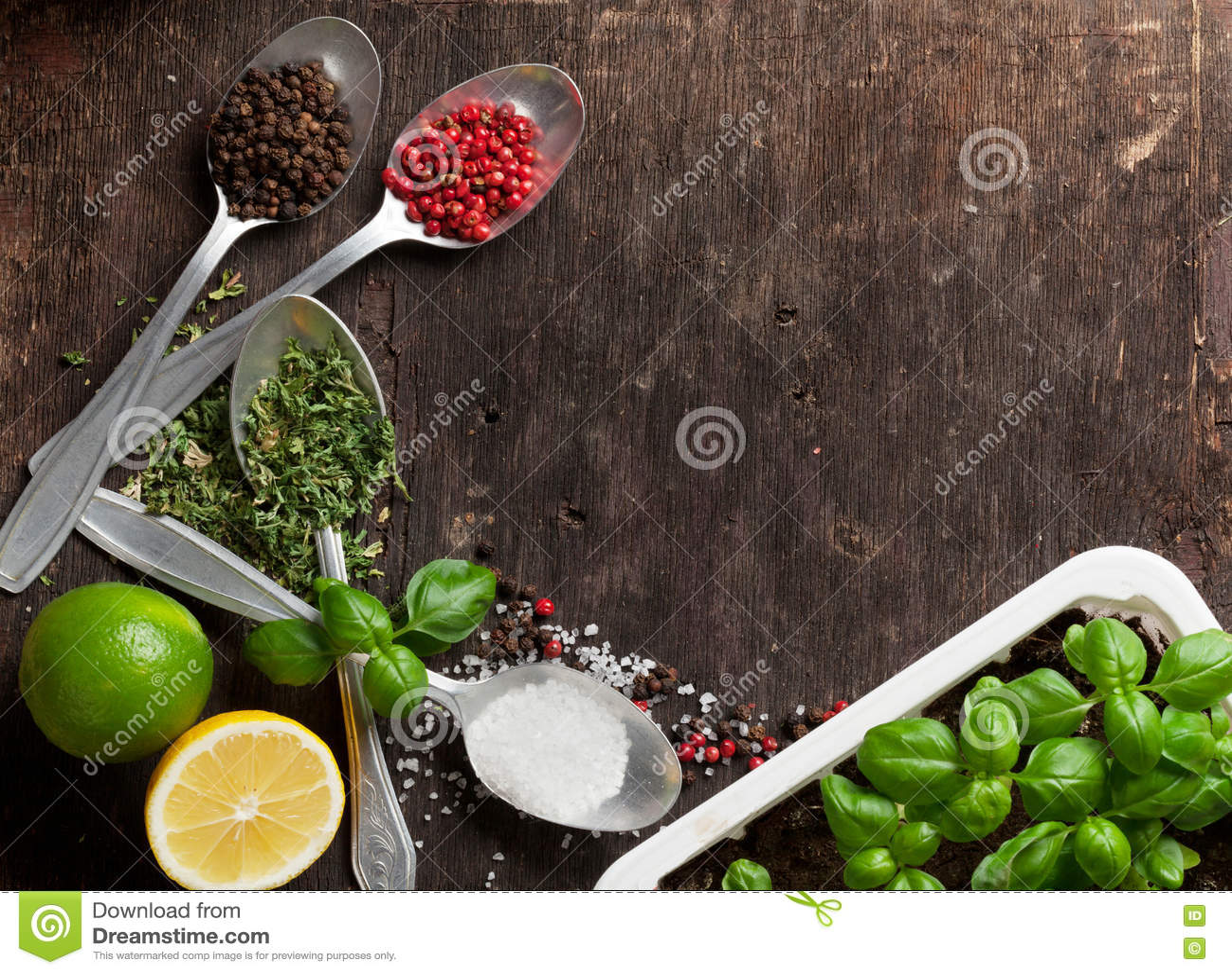 соль rosemary перца листьев трав чеснока cardamon залива spices ваниль