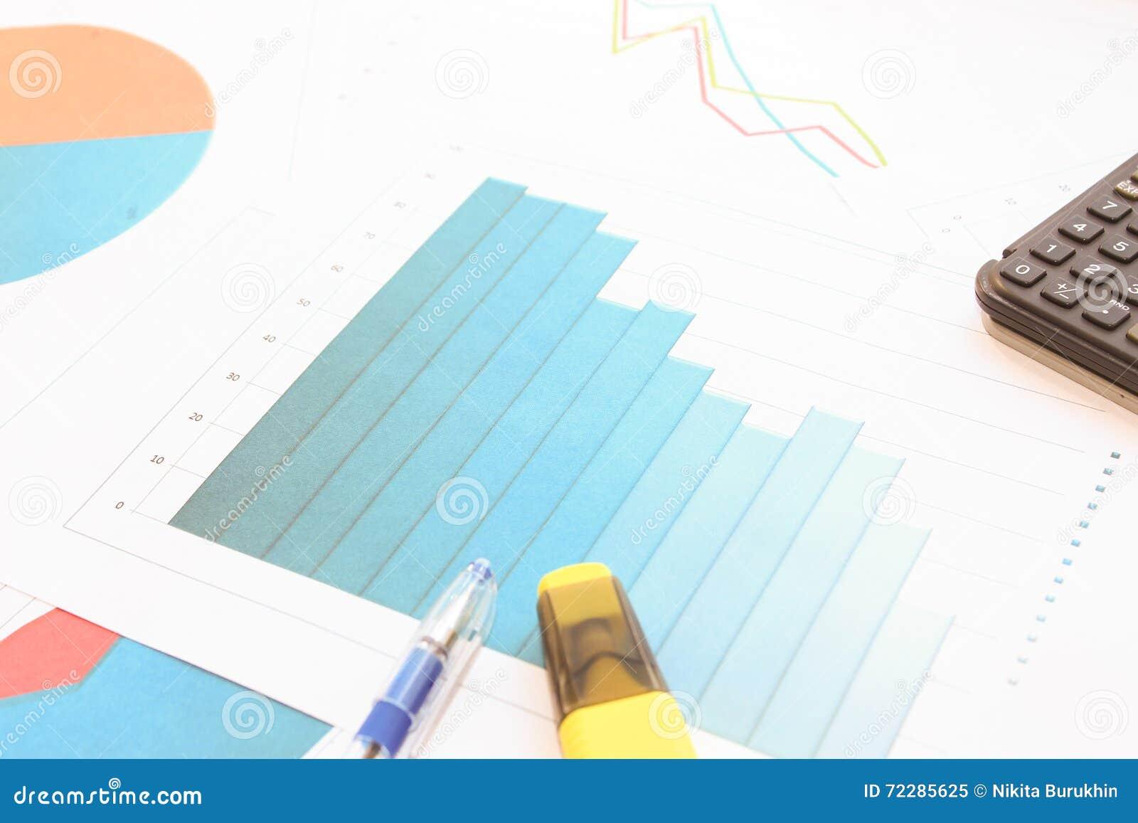 Download Спад в данных по гистограммы Стоковое Изображение - изображение насчитывающей маркетинг, bookishly: 72285625