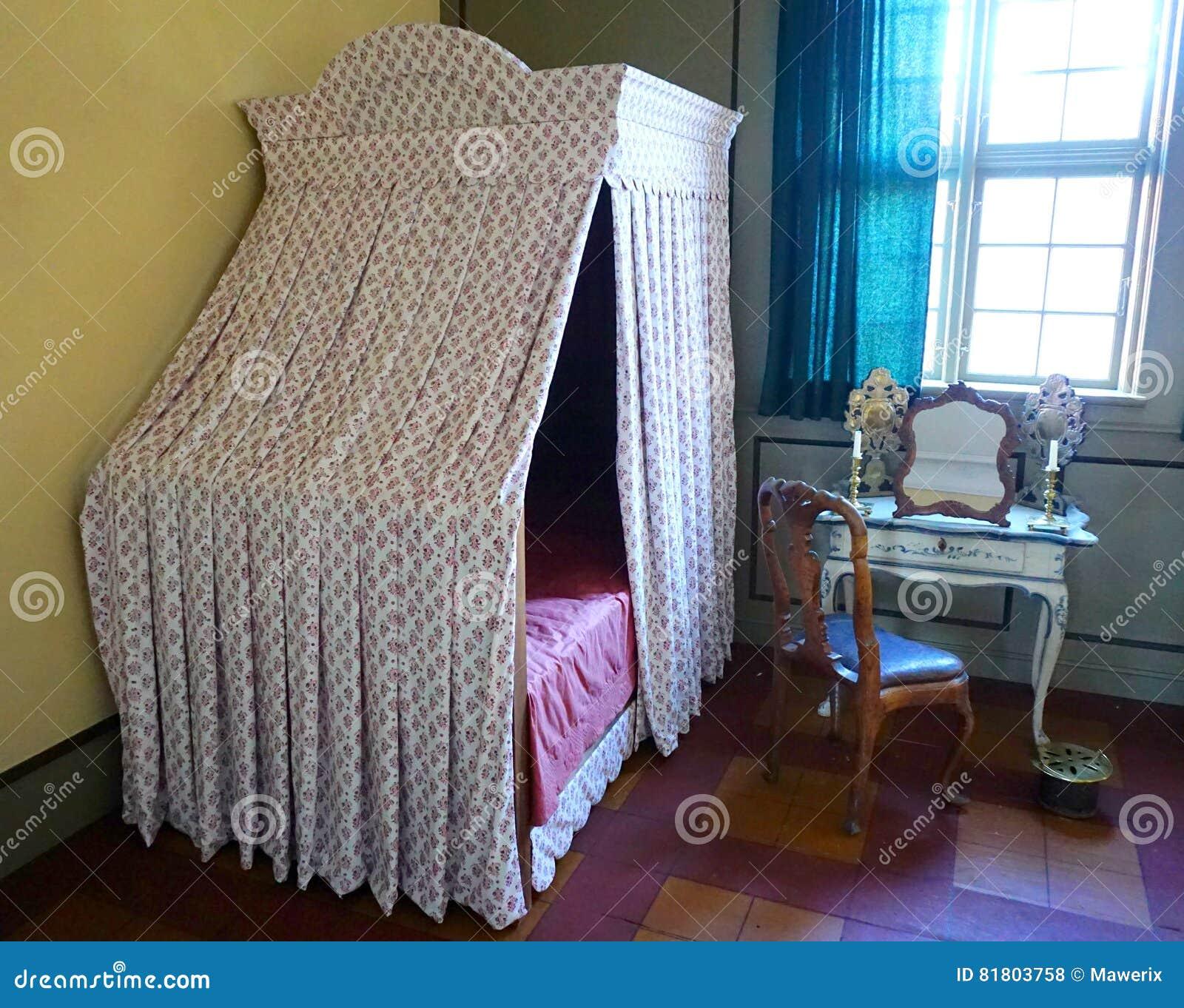 спальня старая