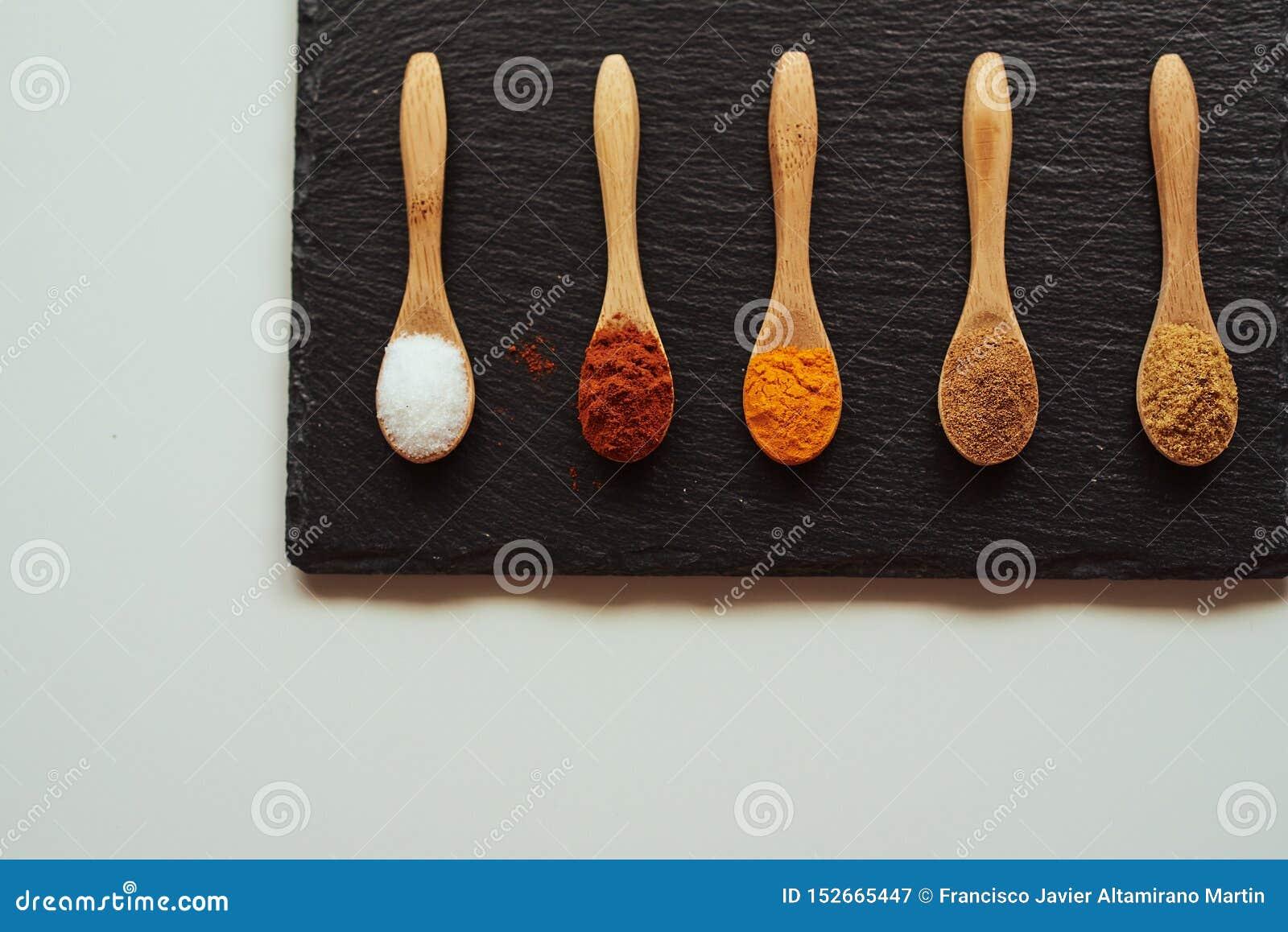Специи для того чтобы сварить среднеземноморскую еду