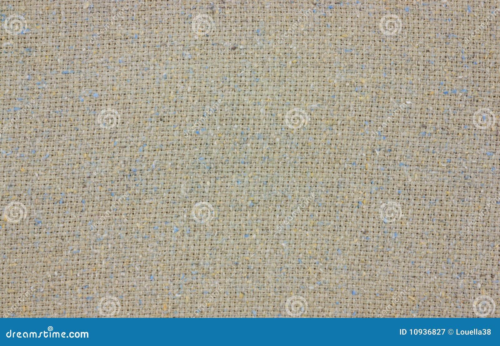 сплетенная одежда из твида ткани