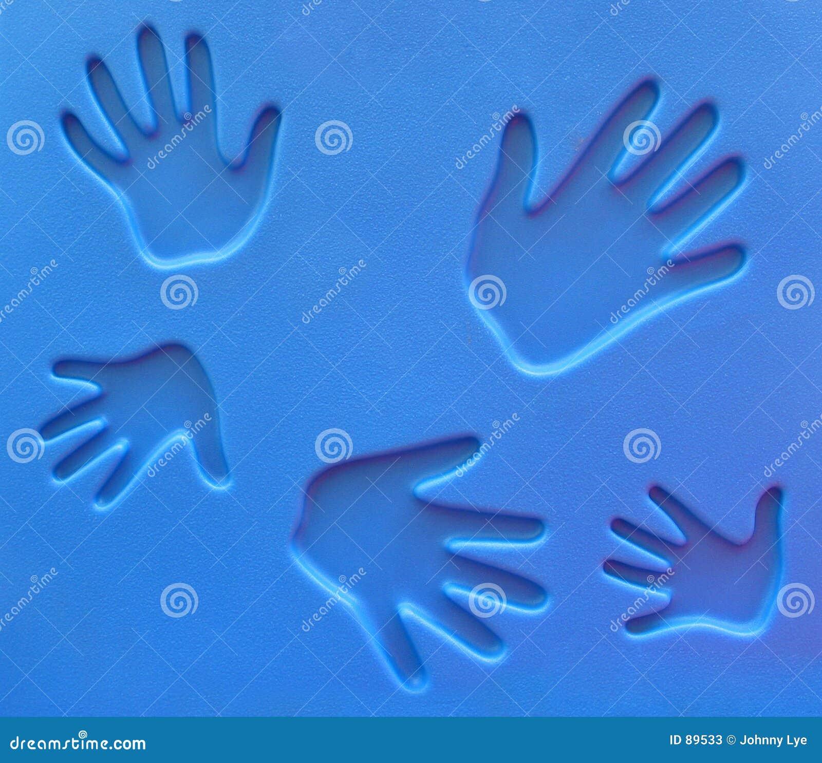 спортивная площадка handprints